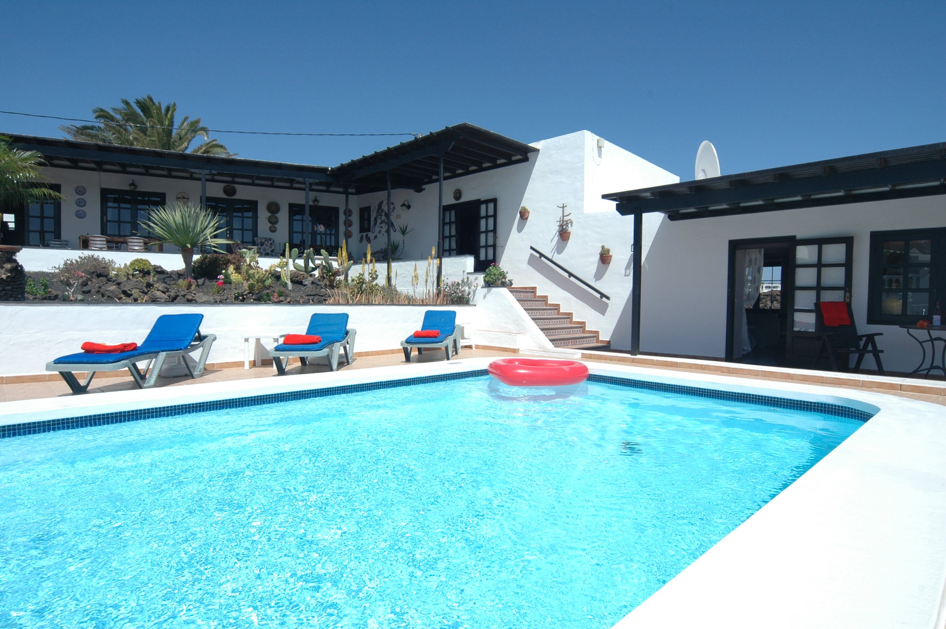 LVC198622 Villa and pool