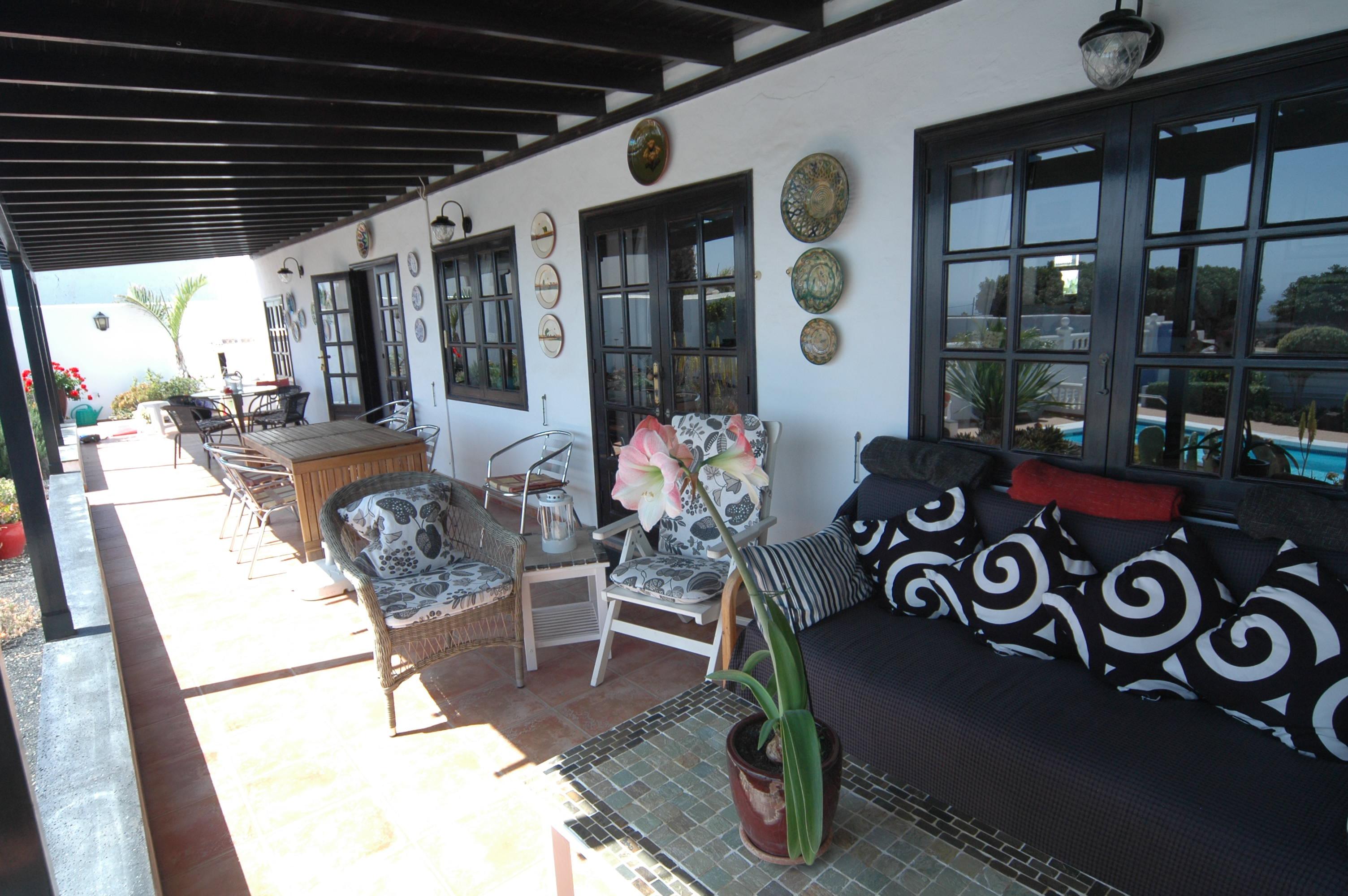 LVC198622 undercover terrace