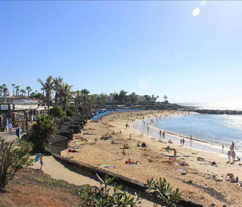 Playa Flamingo beach in Playa Blanca