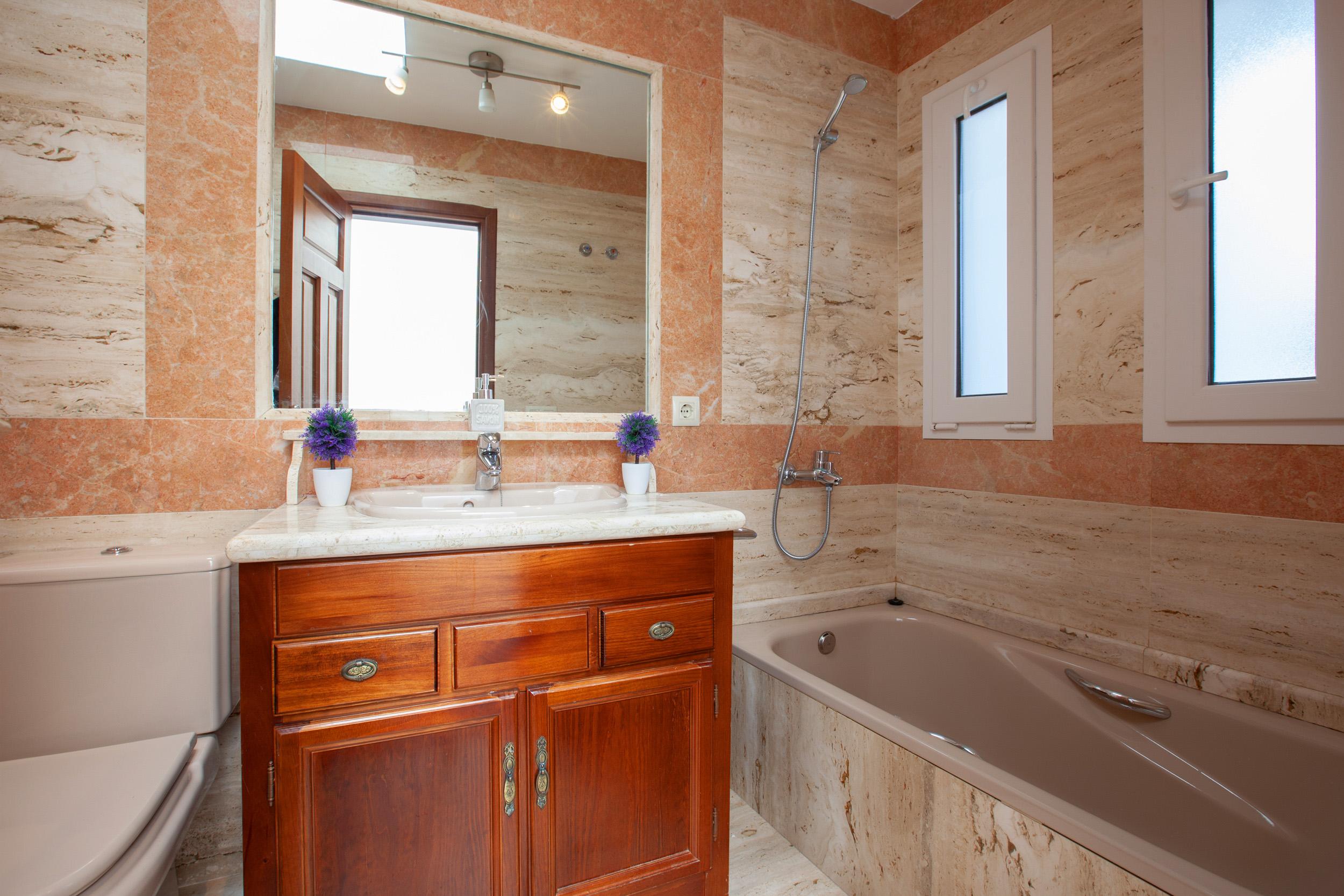 Villa LVC311041 Bathroom