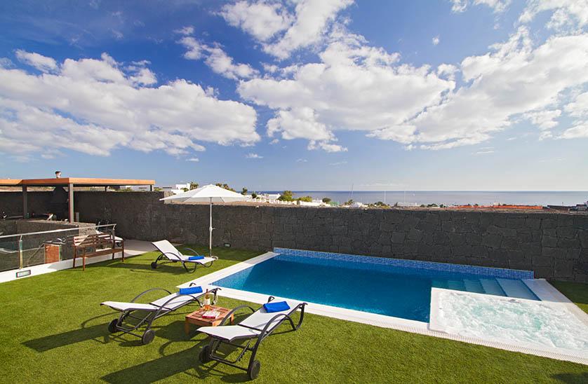 Villa LVC196805 Lanzarote villa 4 bedrooms