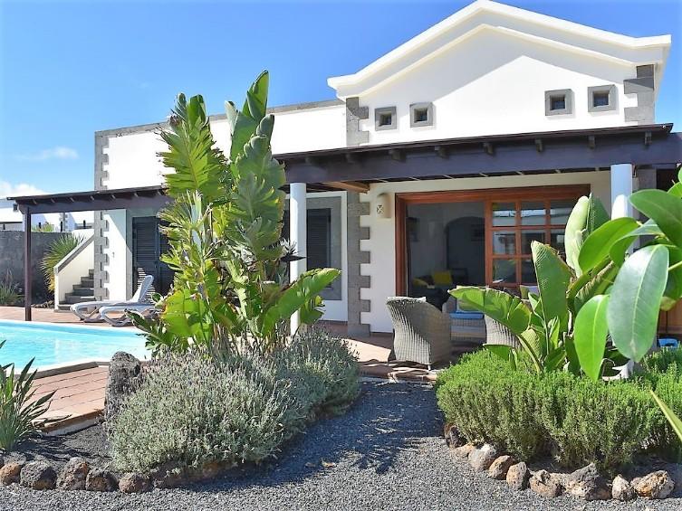 Villa LVC299788  Mature gardens