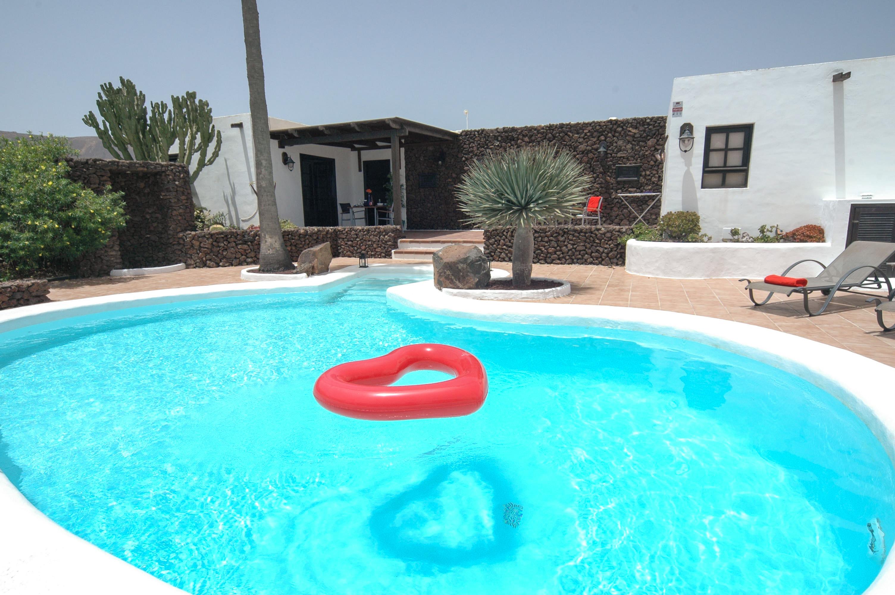 LVC198594  Villa and Pool