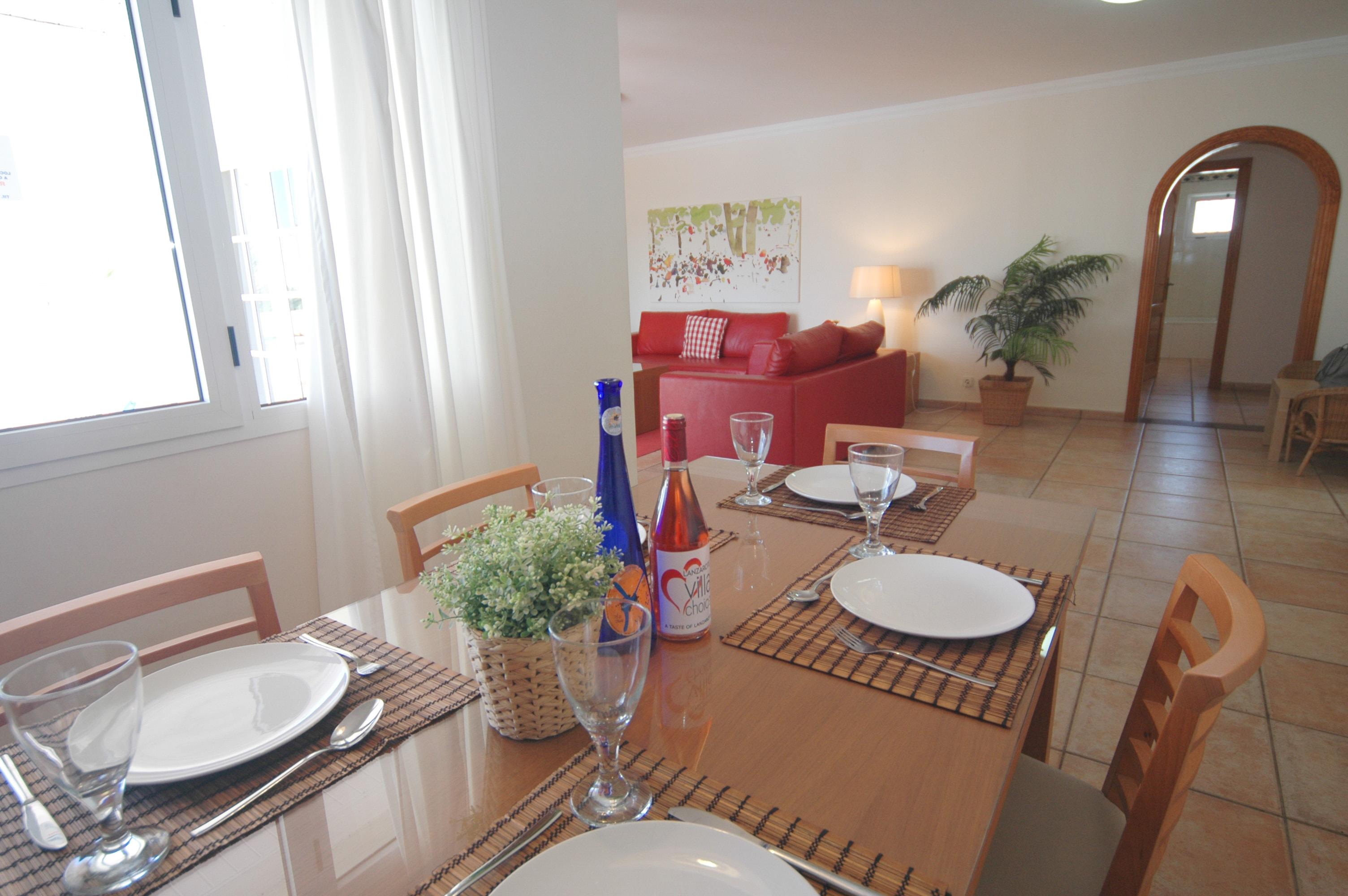 LVC311571 Dining area