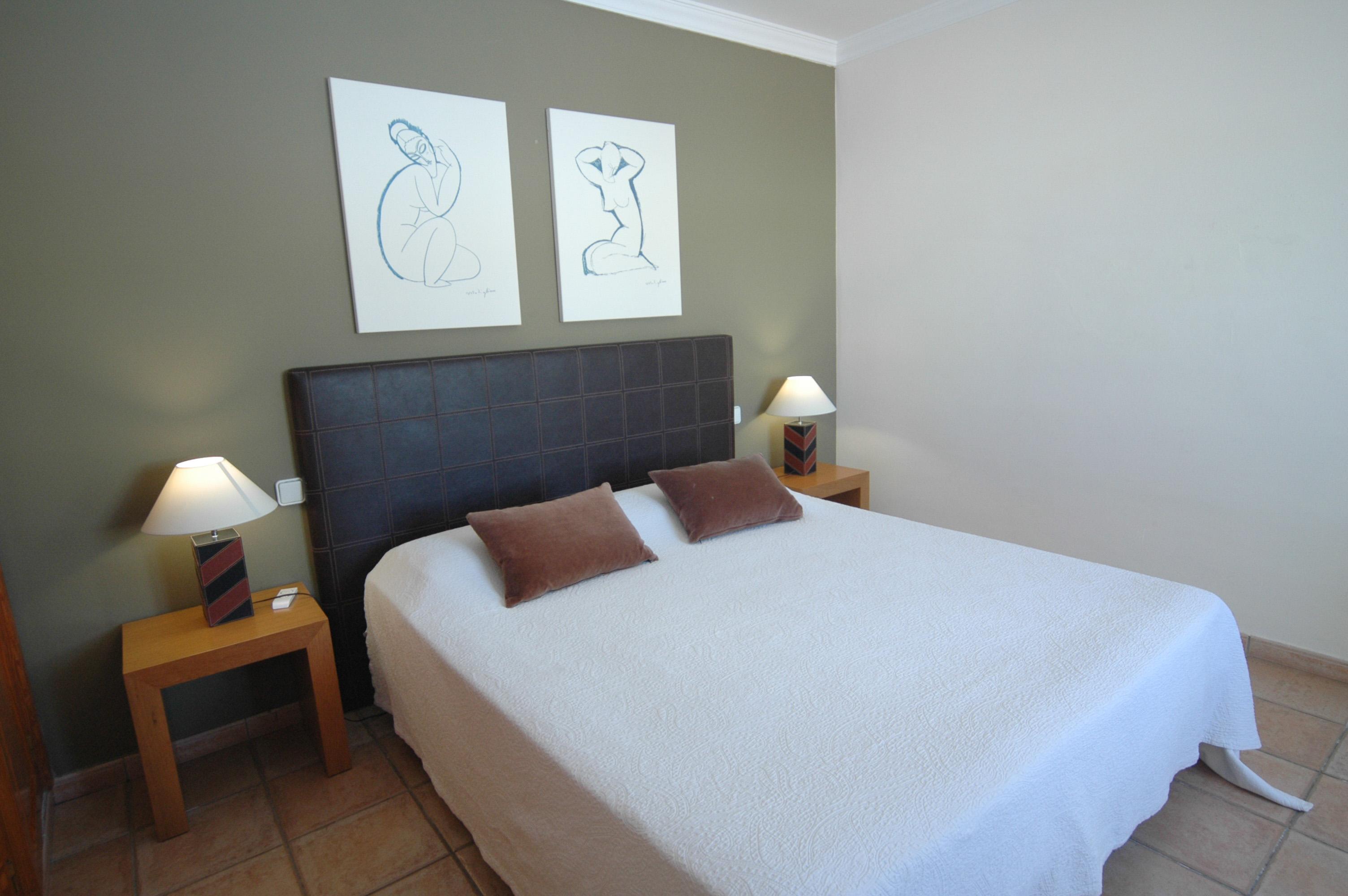 LVC311571 Main bedroom