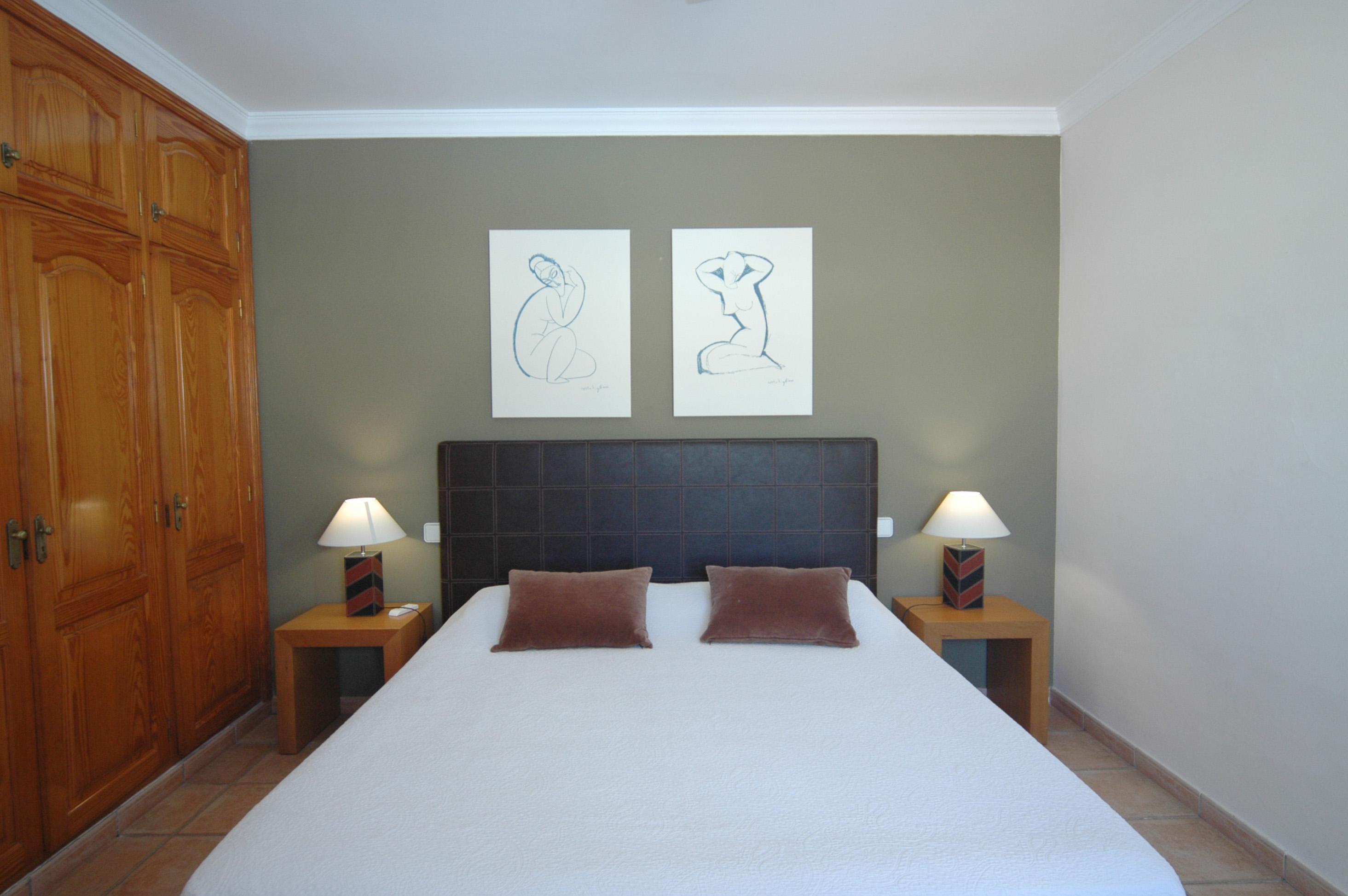 DSC 7104 EditedLVC311571 Main bedroom with en suite
