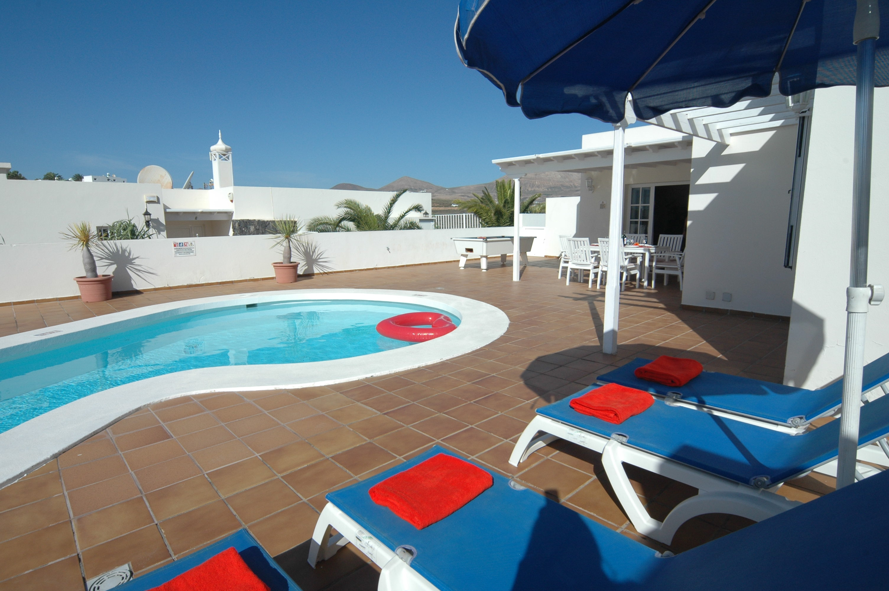 LVC311571 villa and pool