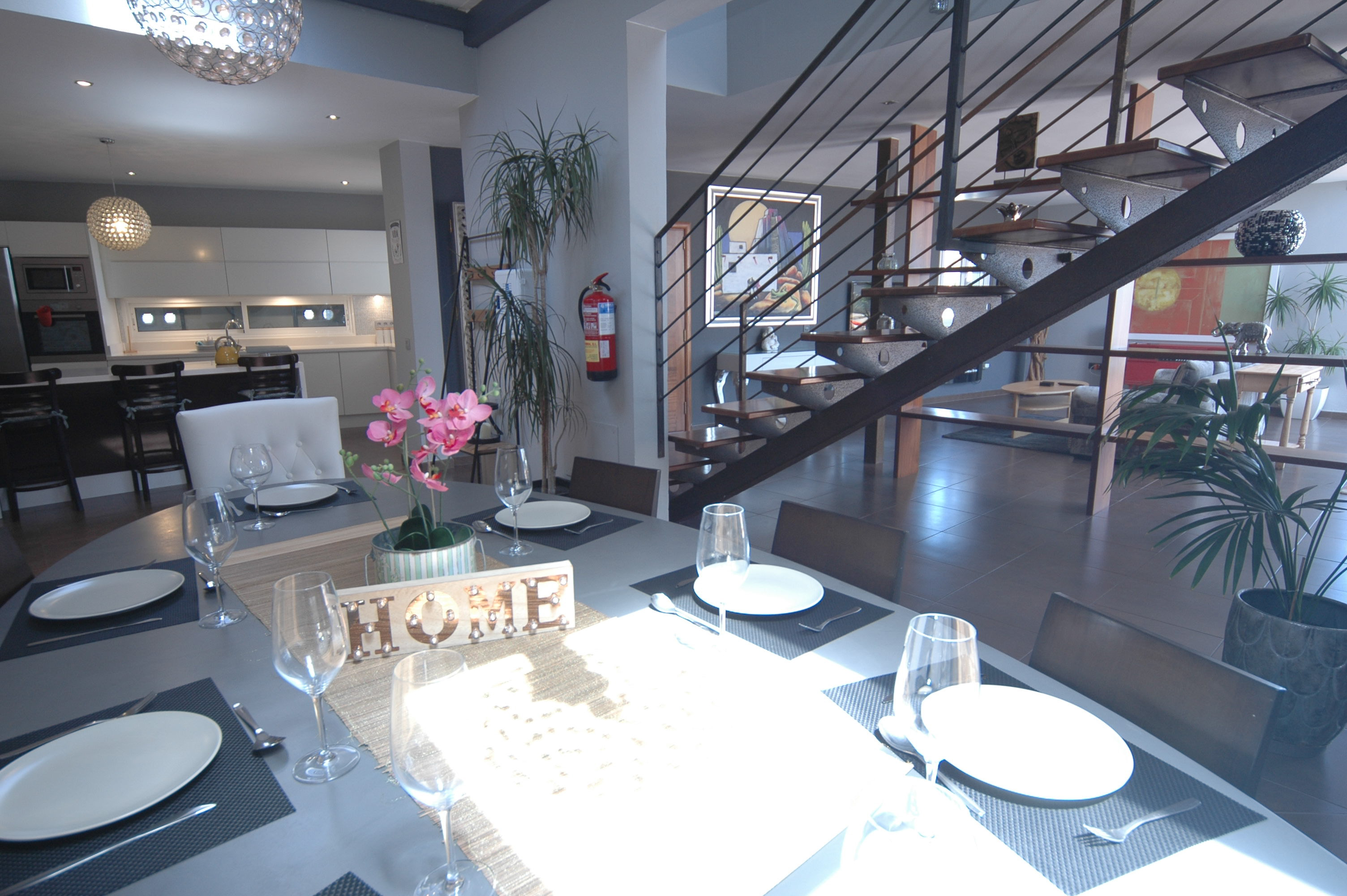 LVC318814 Open plan living area