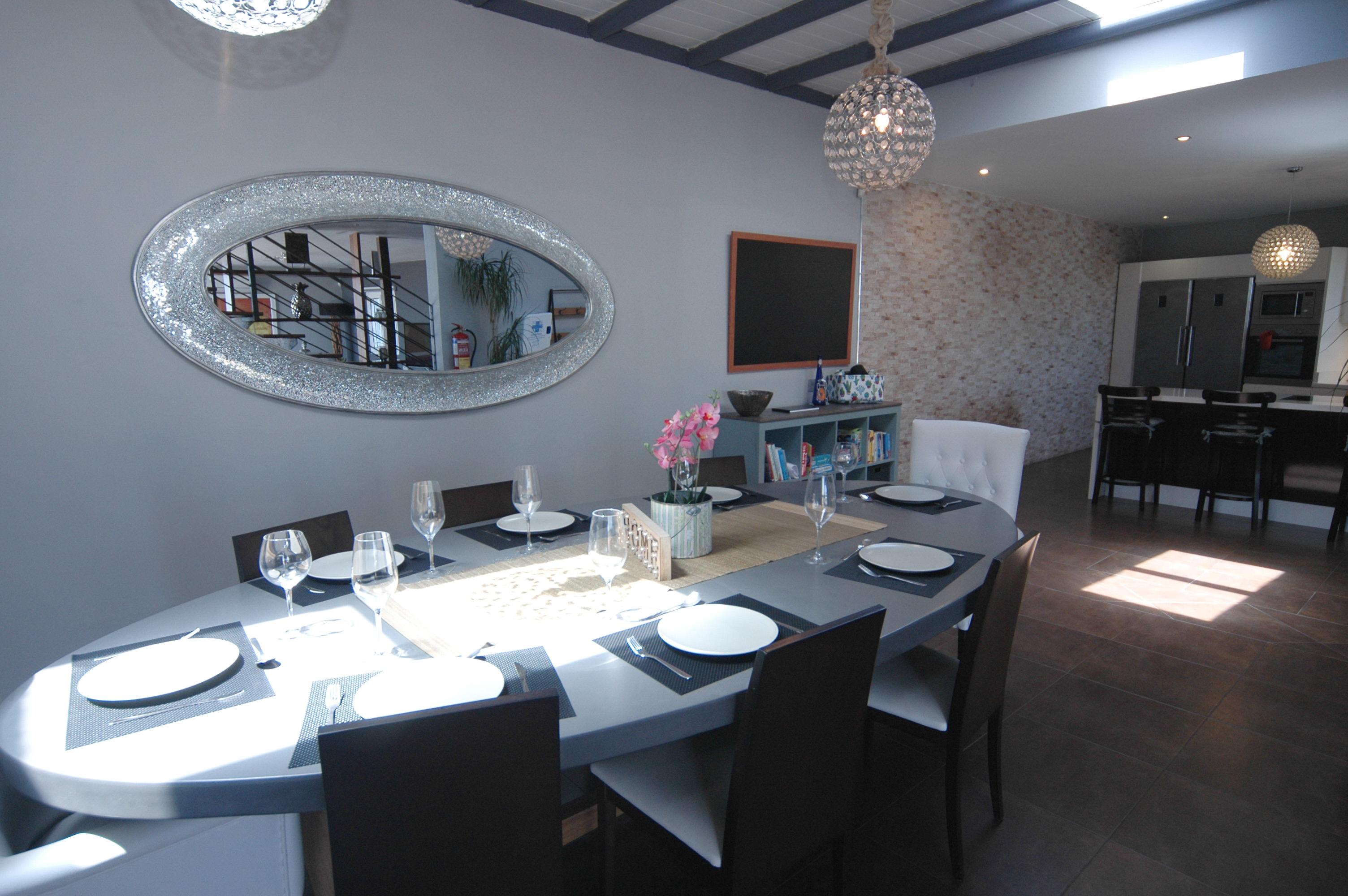 LVC318814 Dining area