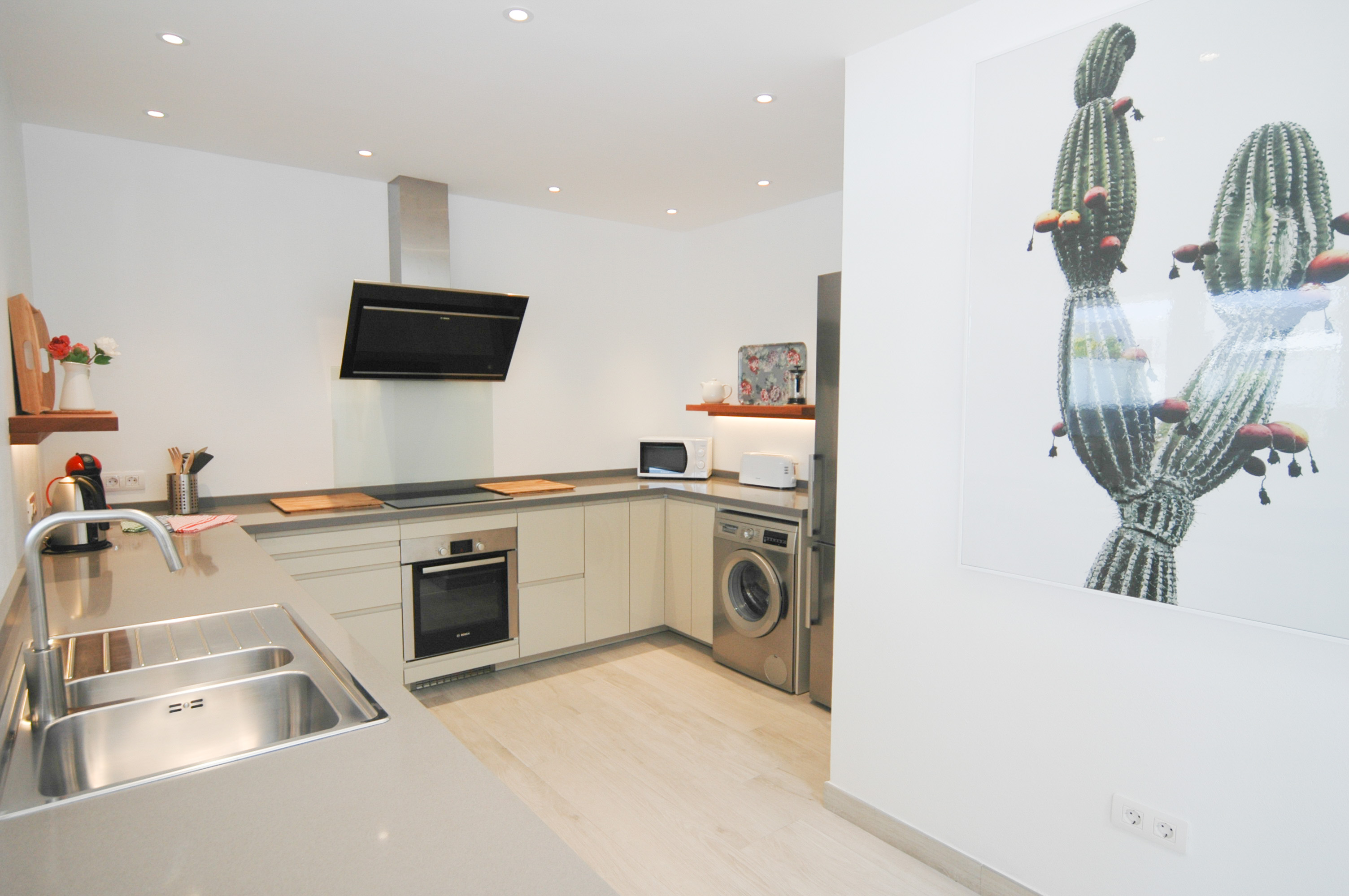 LVC327328 fully fitted kitchen