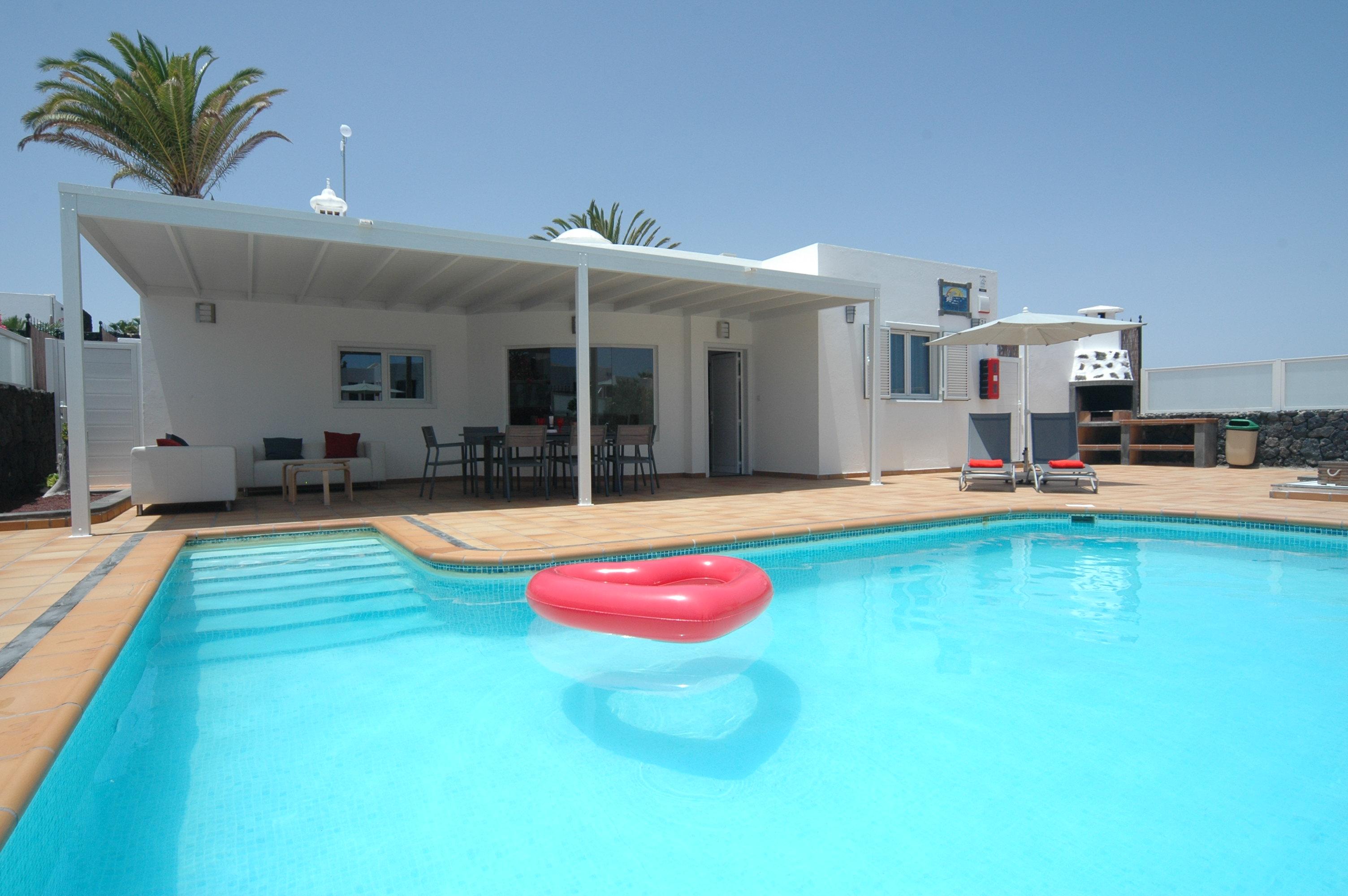 LVC327328 Villa and Pool