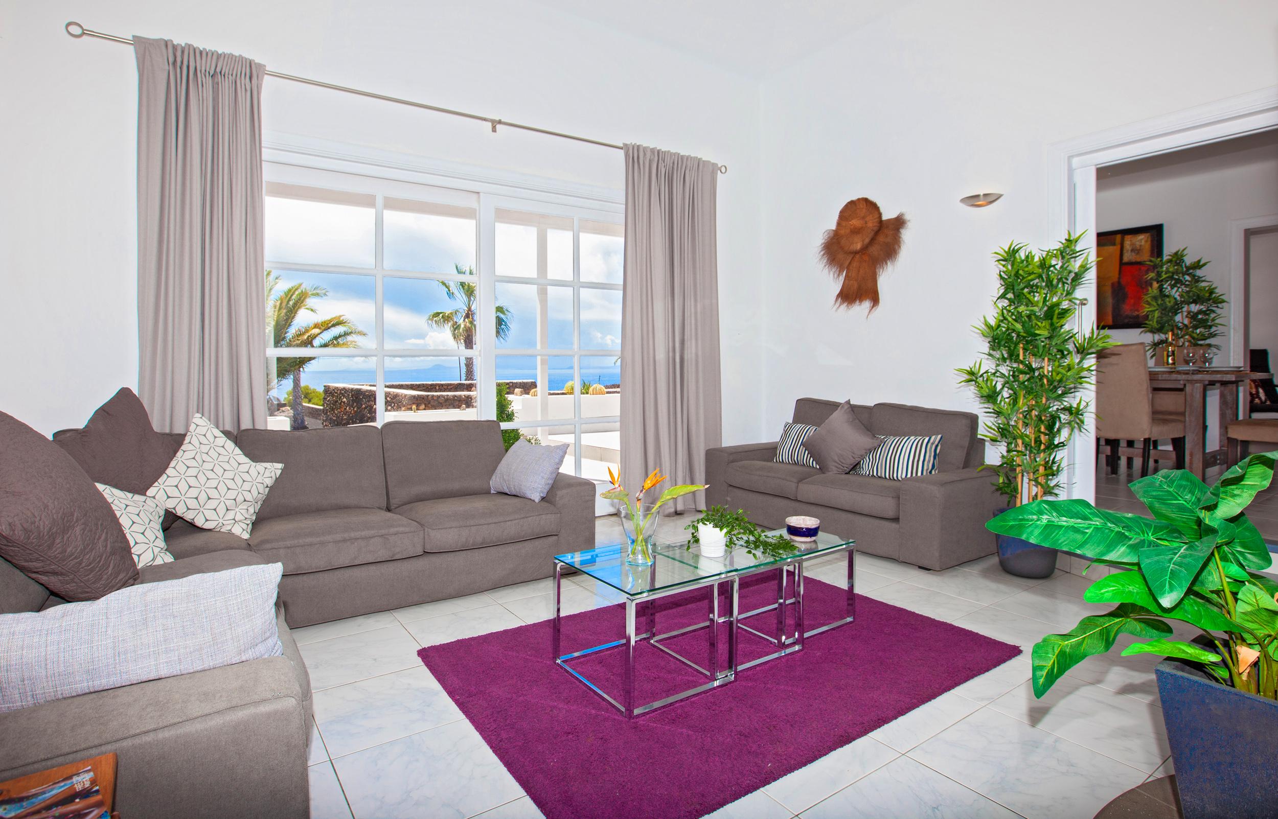 LVC198416 Living room with sea views