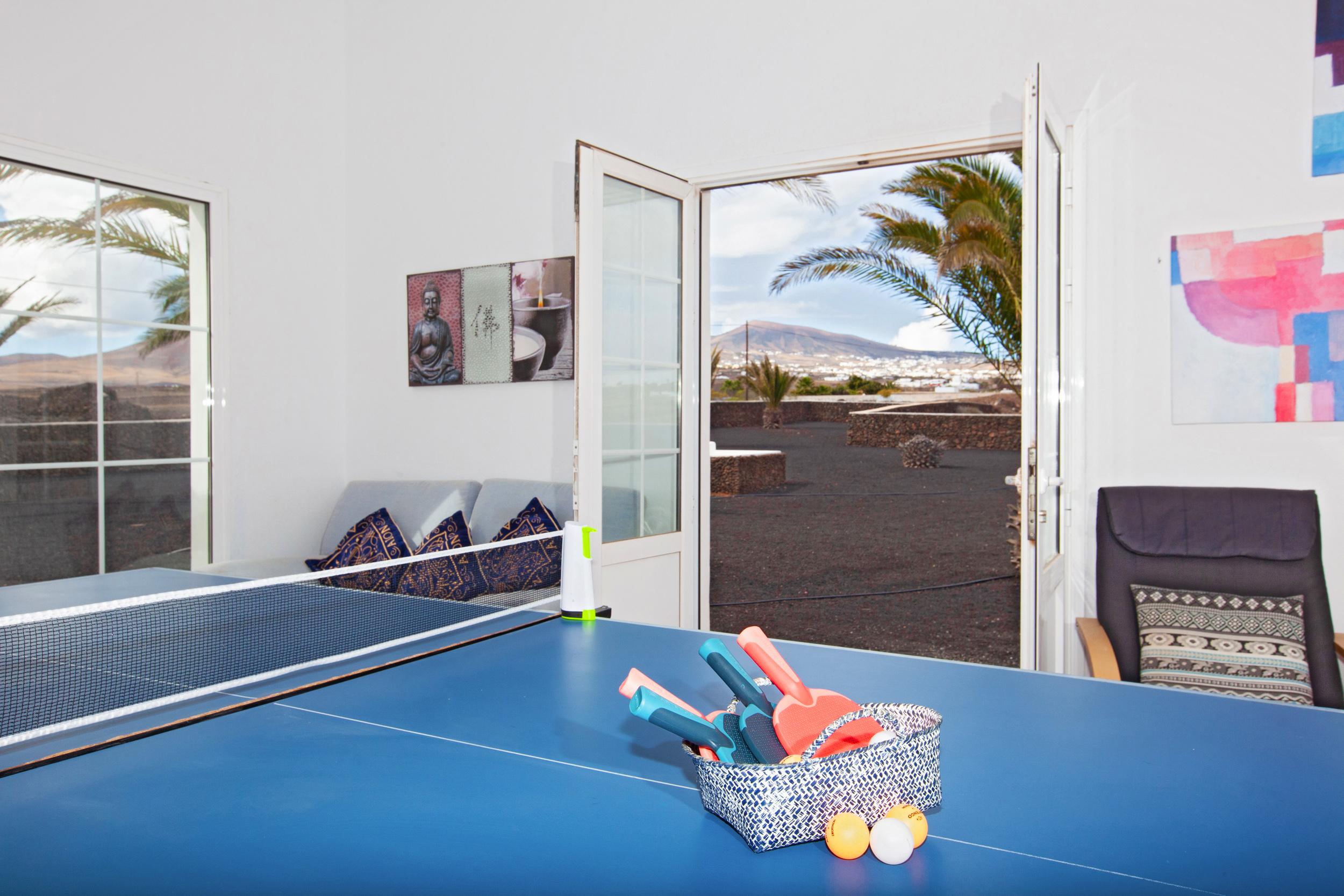 LVC198416 Table tennis