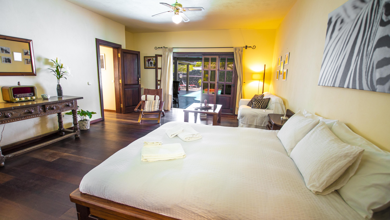 LVC210178 Main bedroom