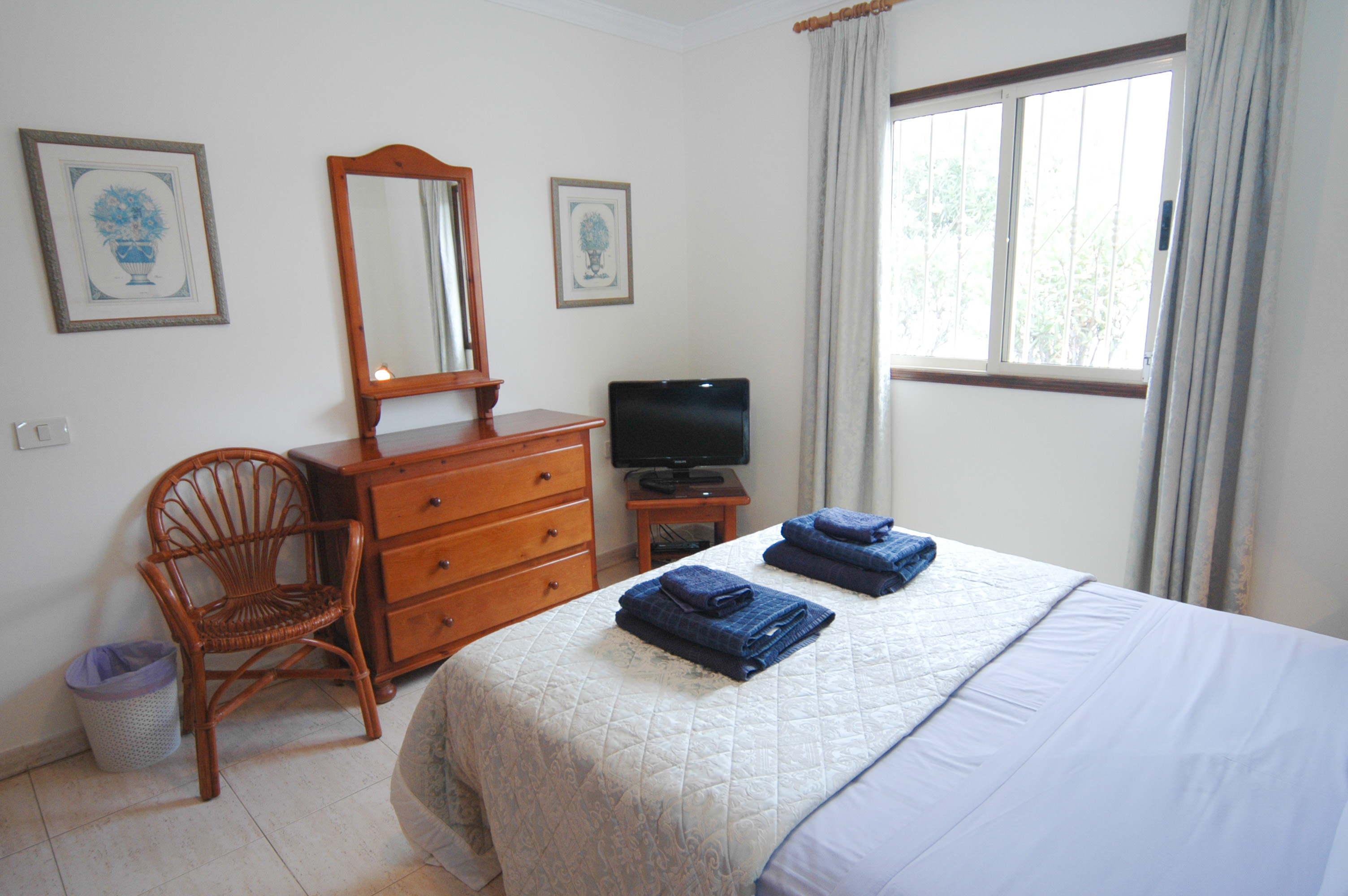 LVC212405 double bedroom
