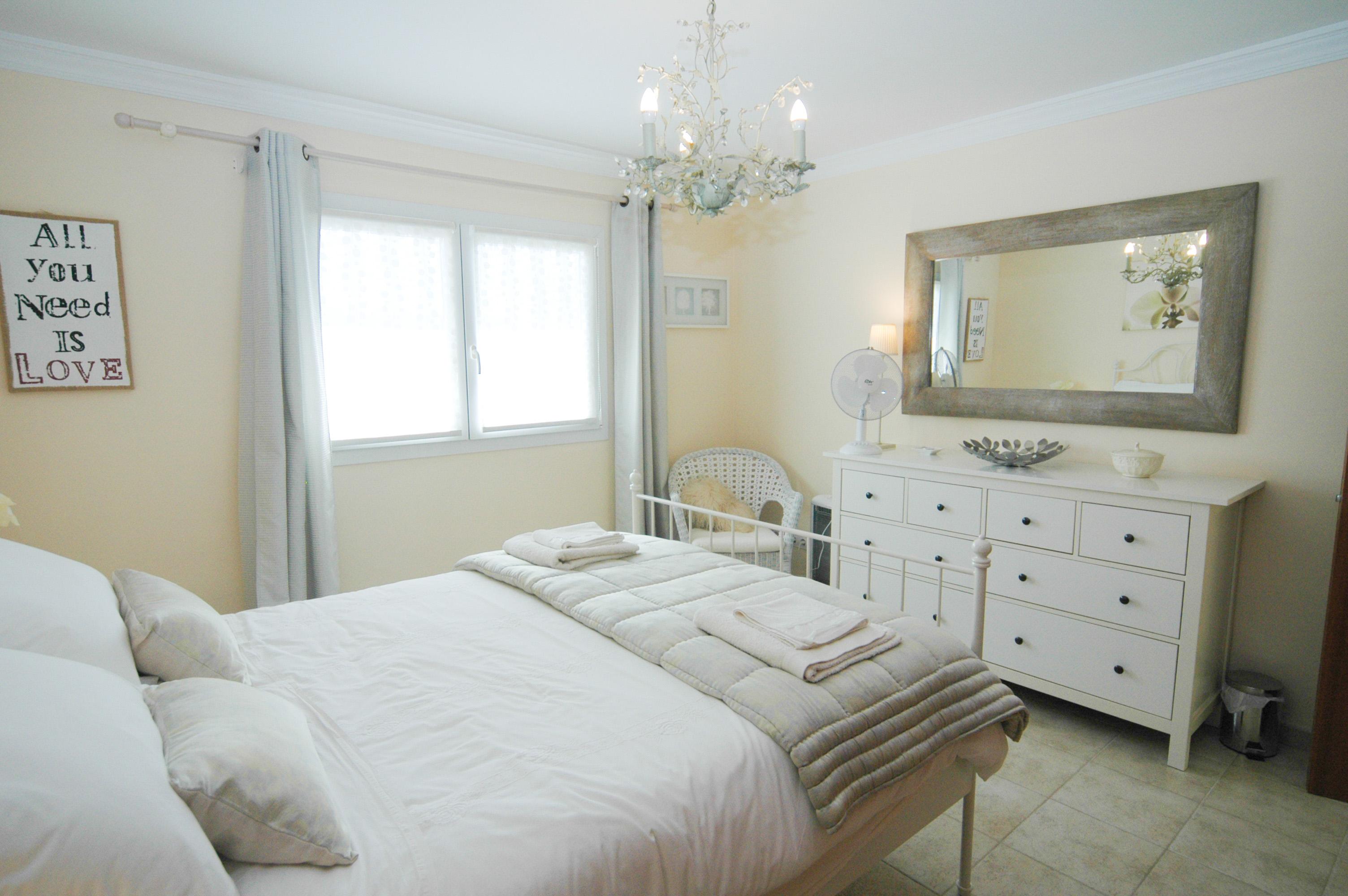 LVC330505 Double bedroom