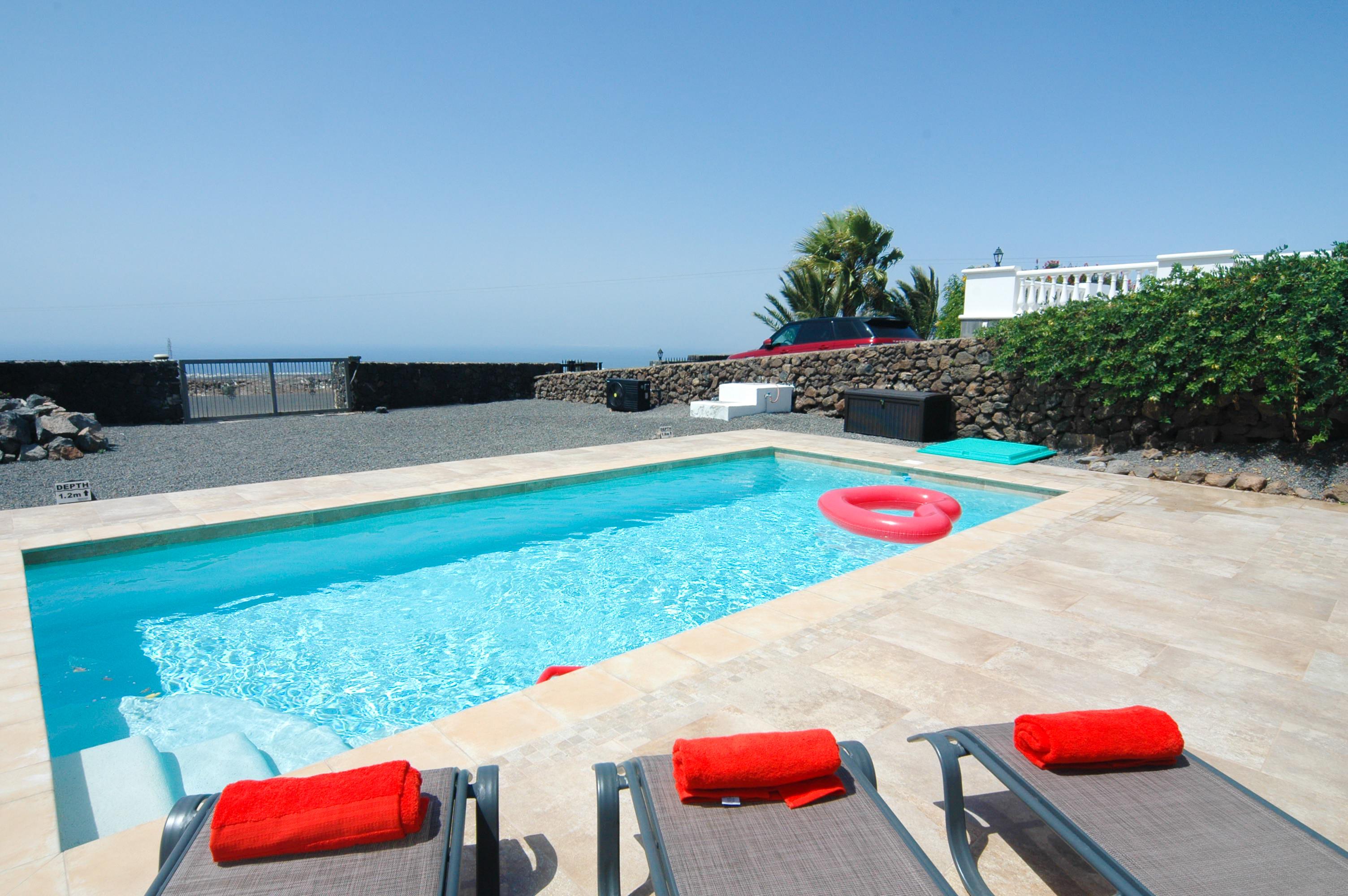 LVC330505 Heated Pool