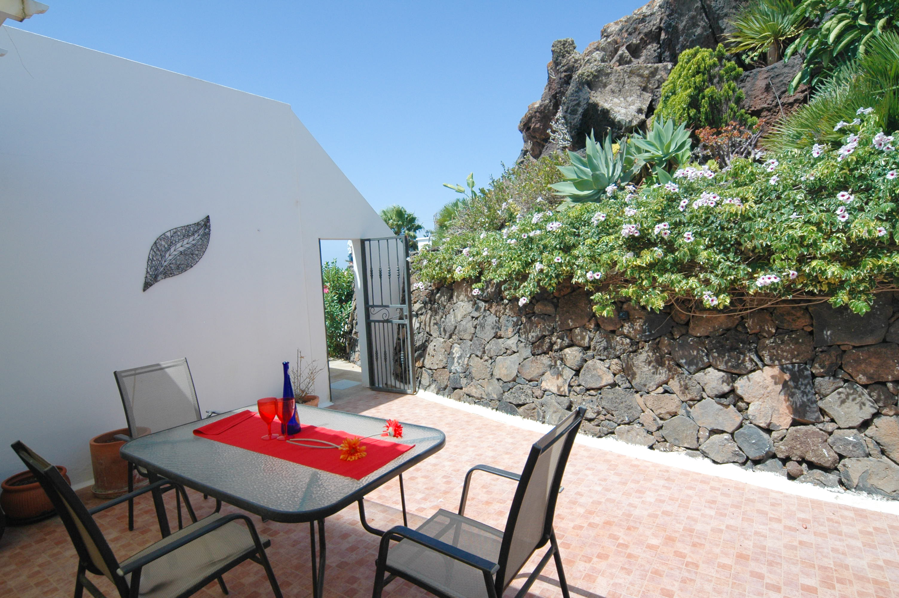 LVC330505 terrace area