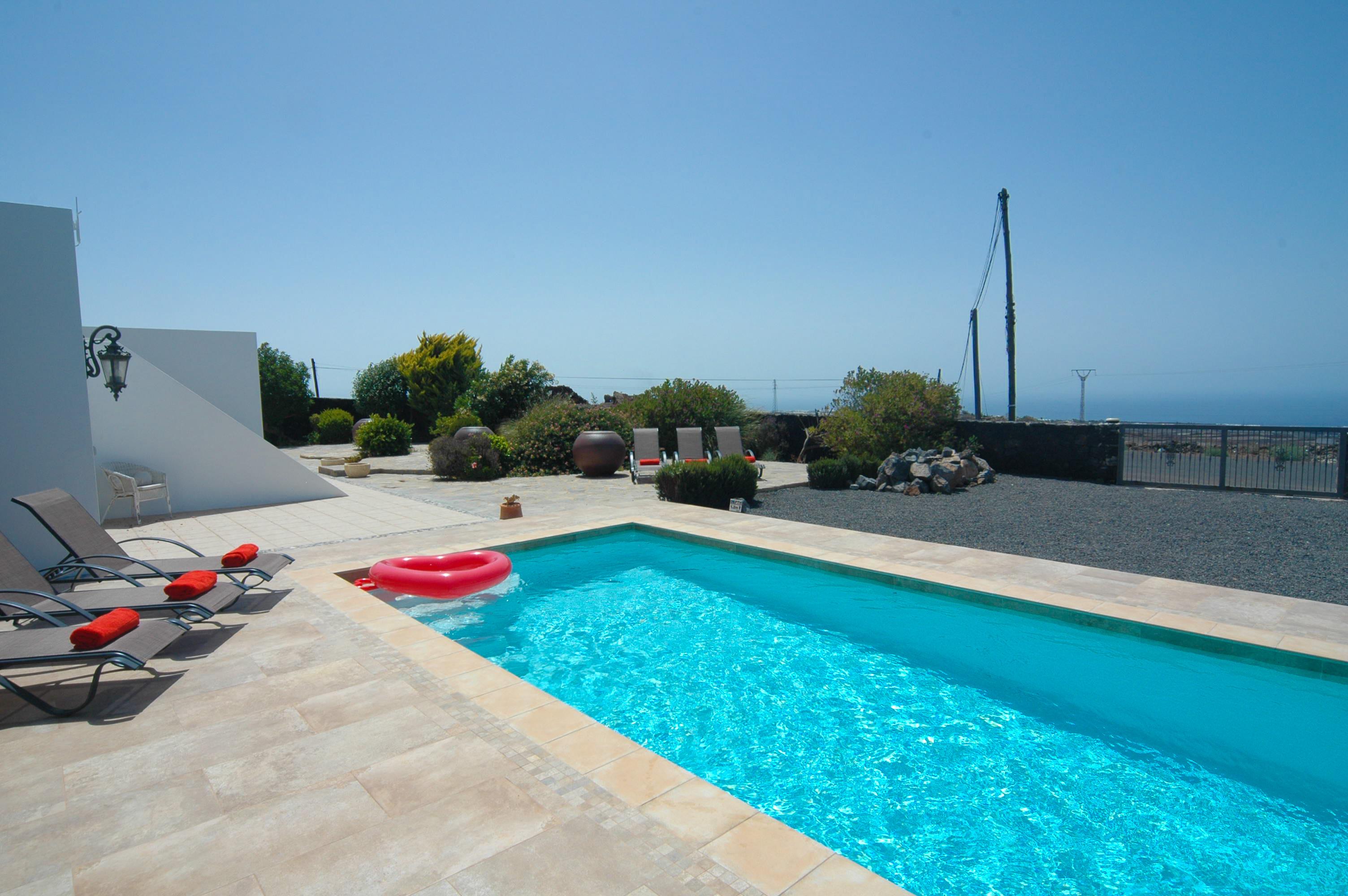 LVC330505 Pool