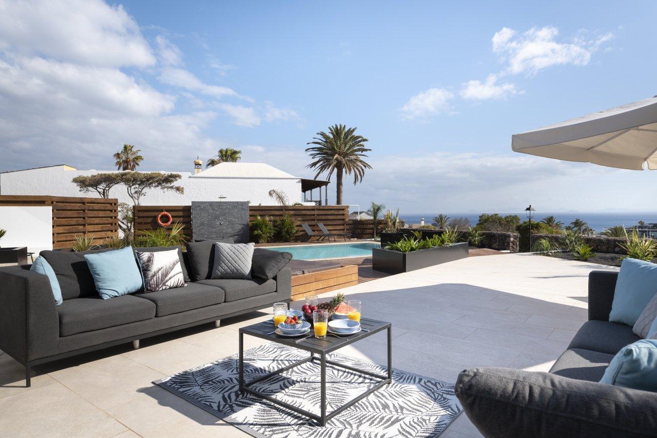 Villa LVC33064 Ralaxing on the terrace