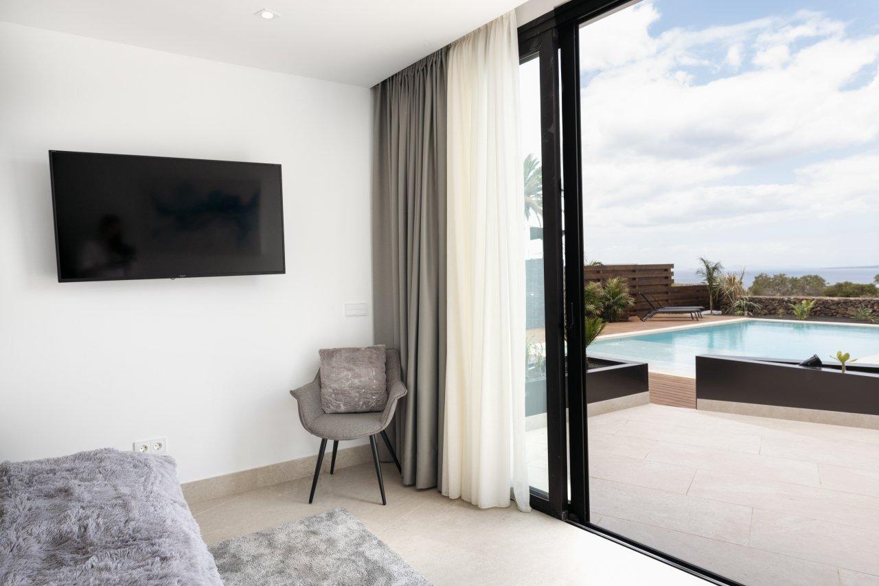Villa LVC330646 Double bedroom with patio doors to terrace