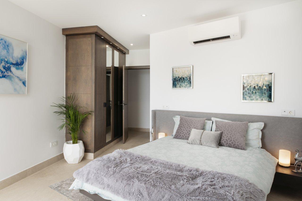 Villa LVC330646 Double bedroom with patio doors to terrace+3+(4)