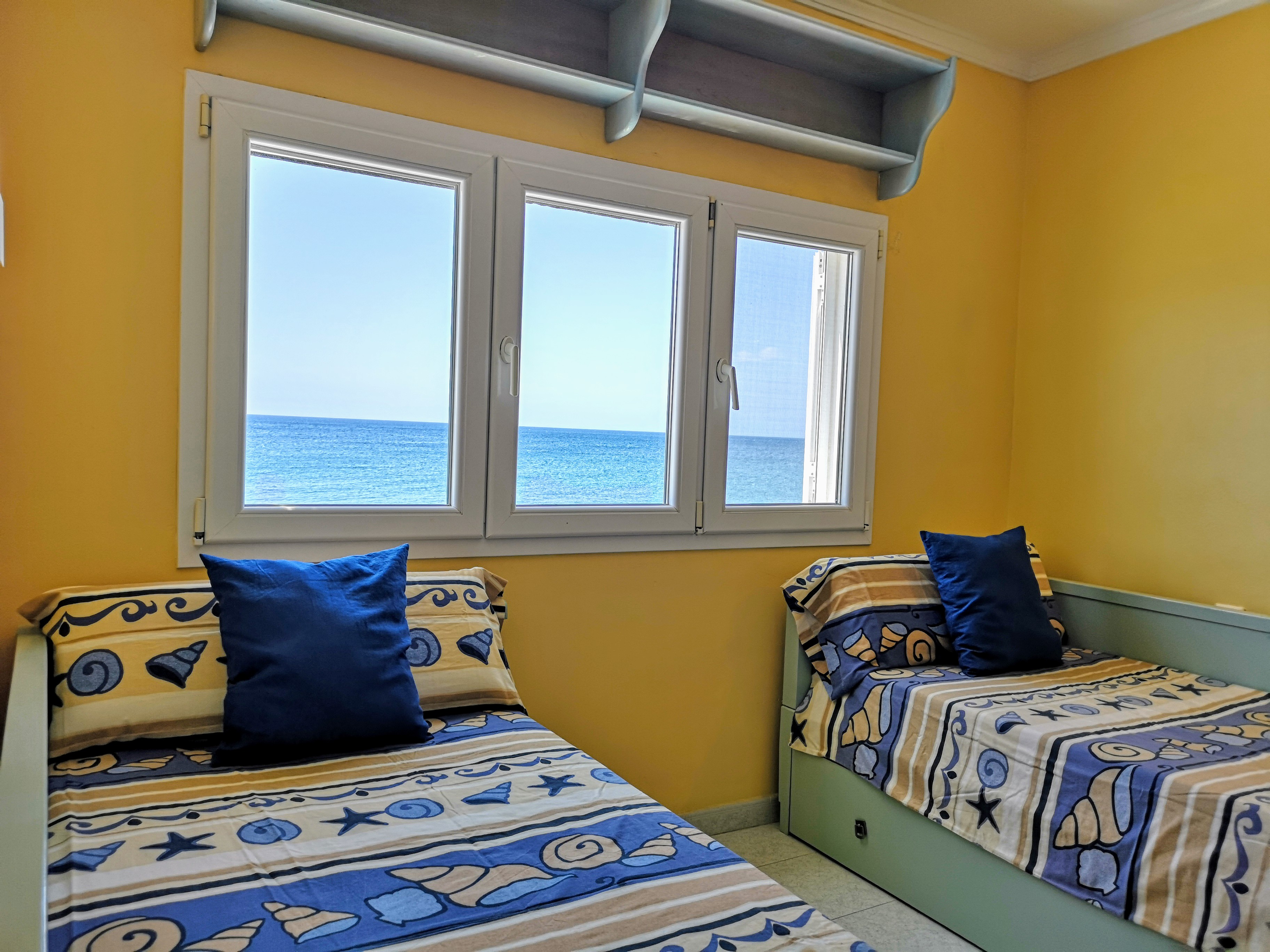 LVC328662 Twin bedroom with sea views