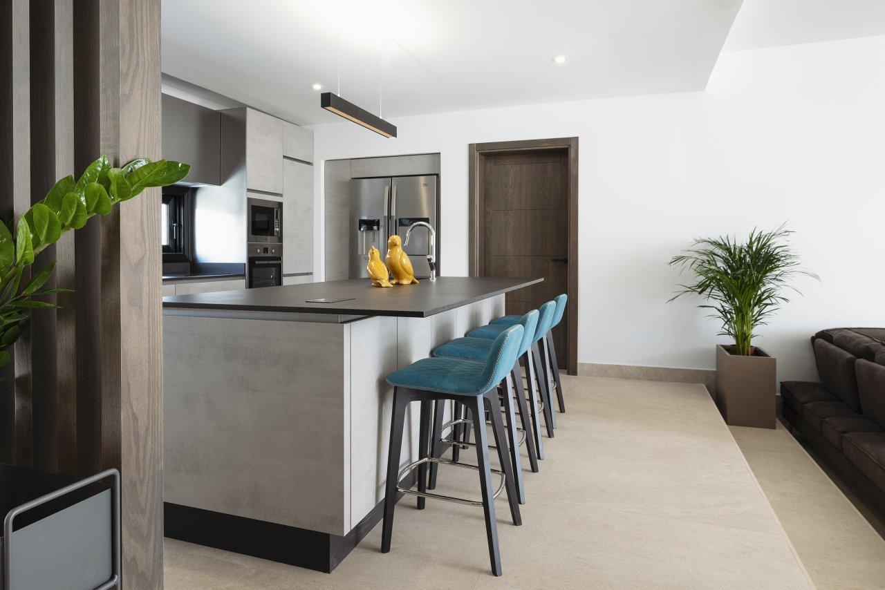 Villa LVC330646 Kitchen with breakfast bar