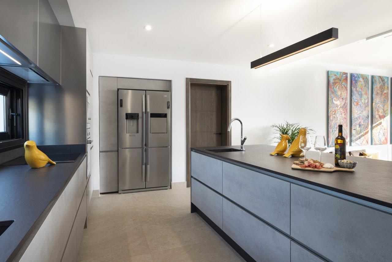 Villa LVC330646 Modern fitted kitchen