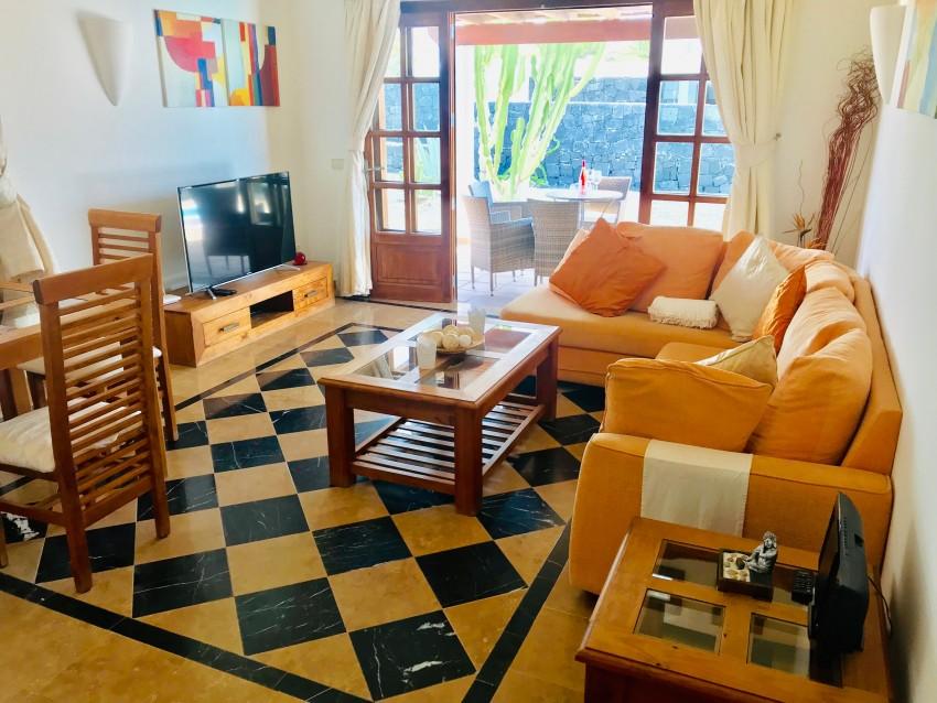 LVC331570 Living area