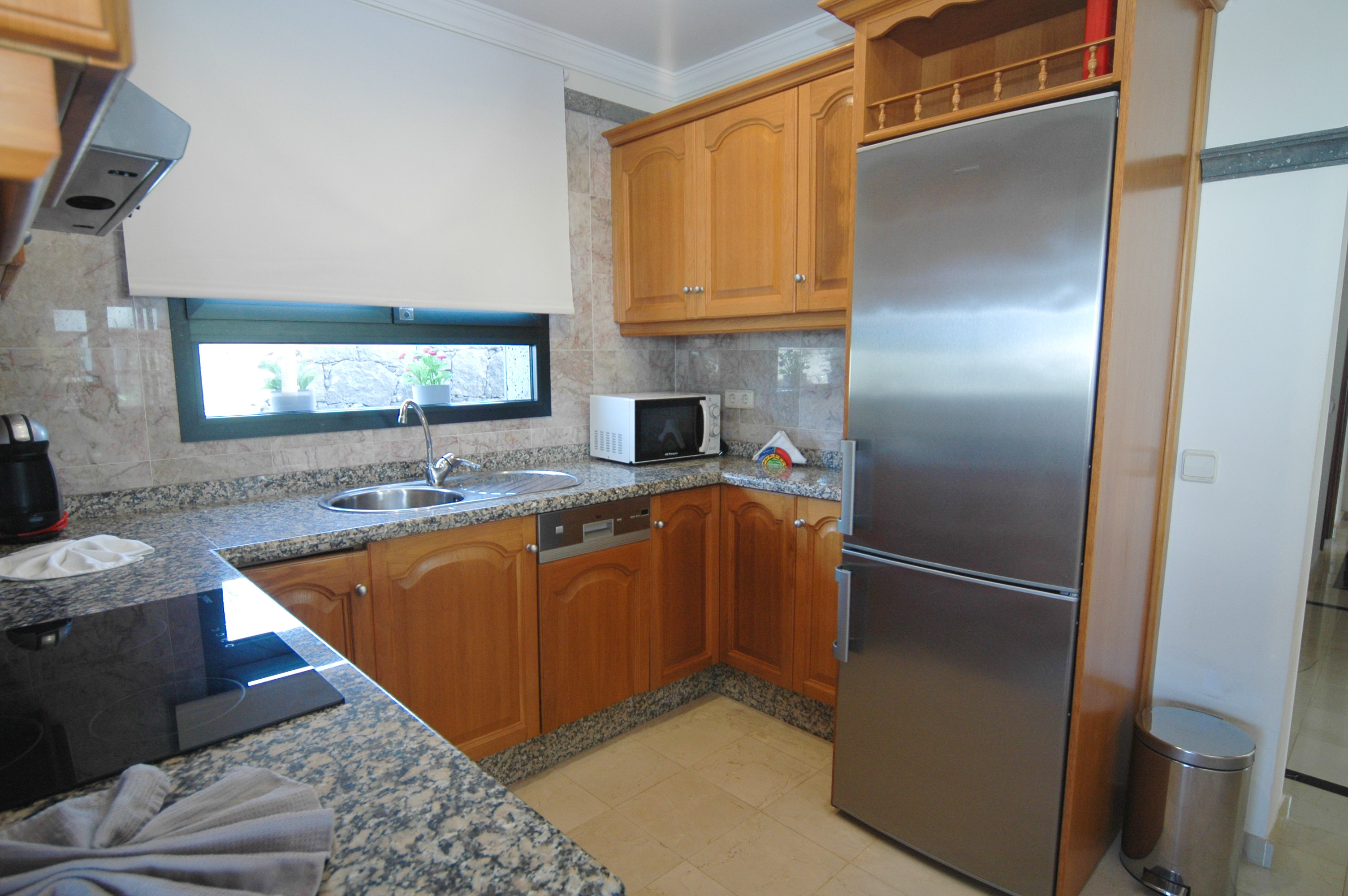 LVC333174 Fully equipped kitchen