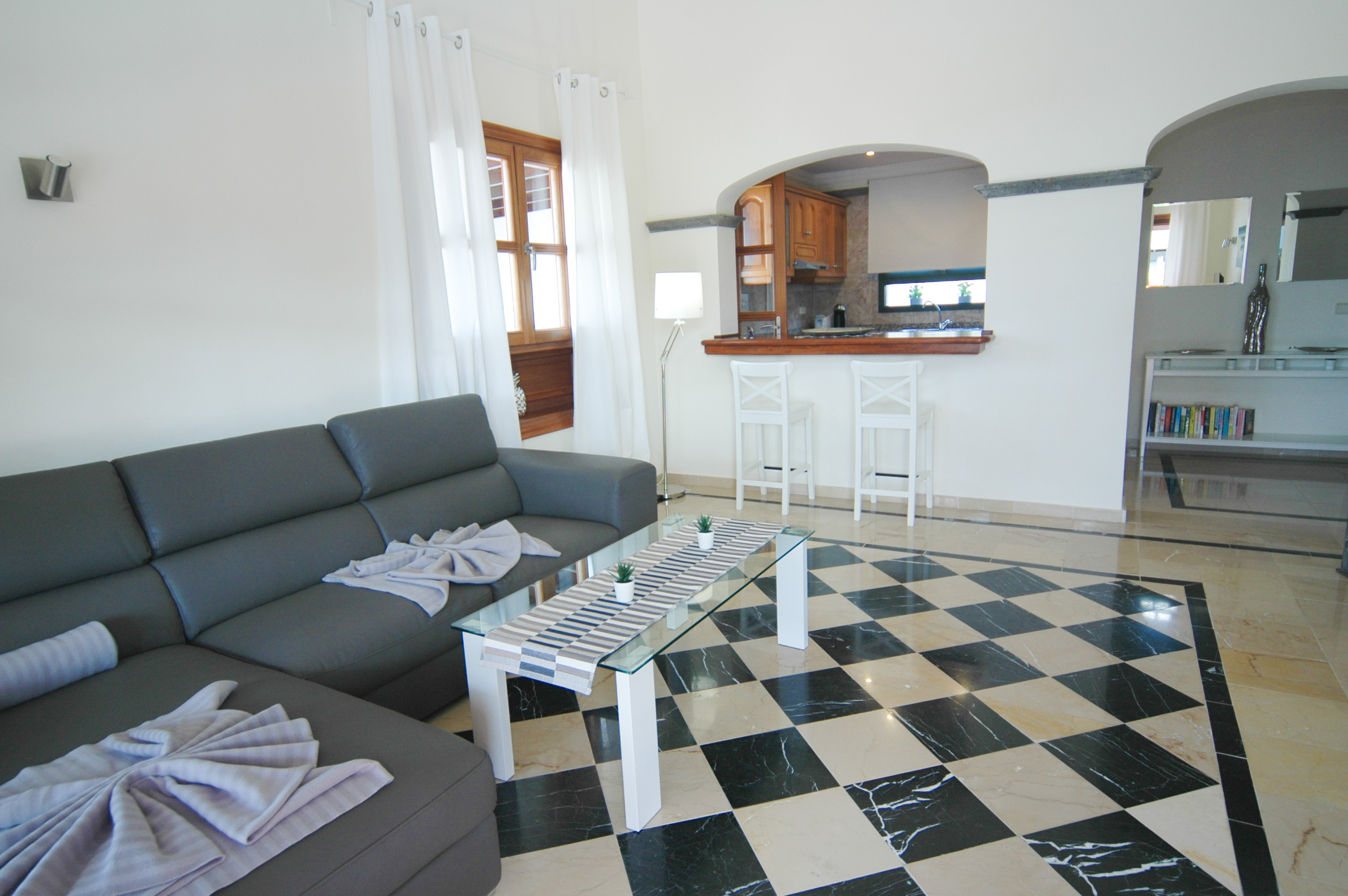 LVC333174 Lounge with sofa