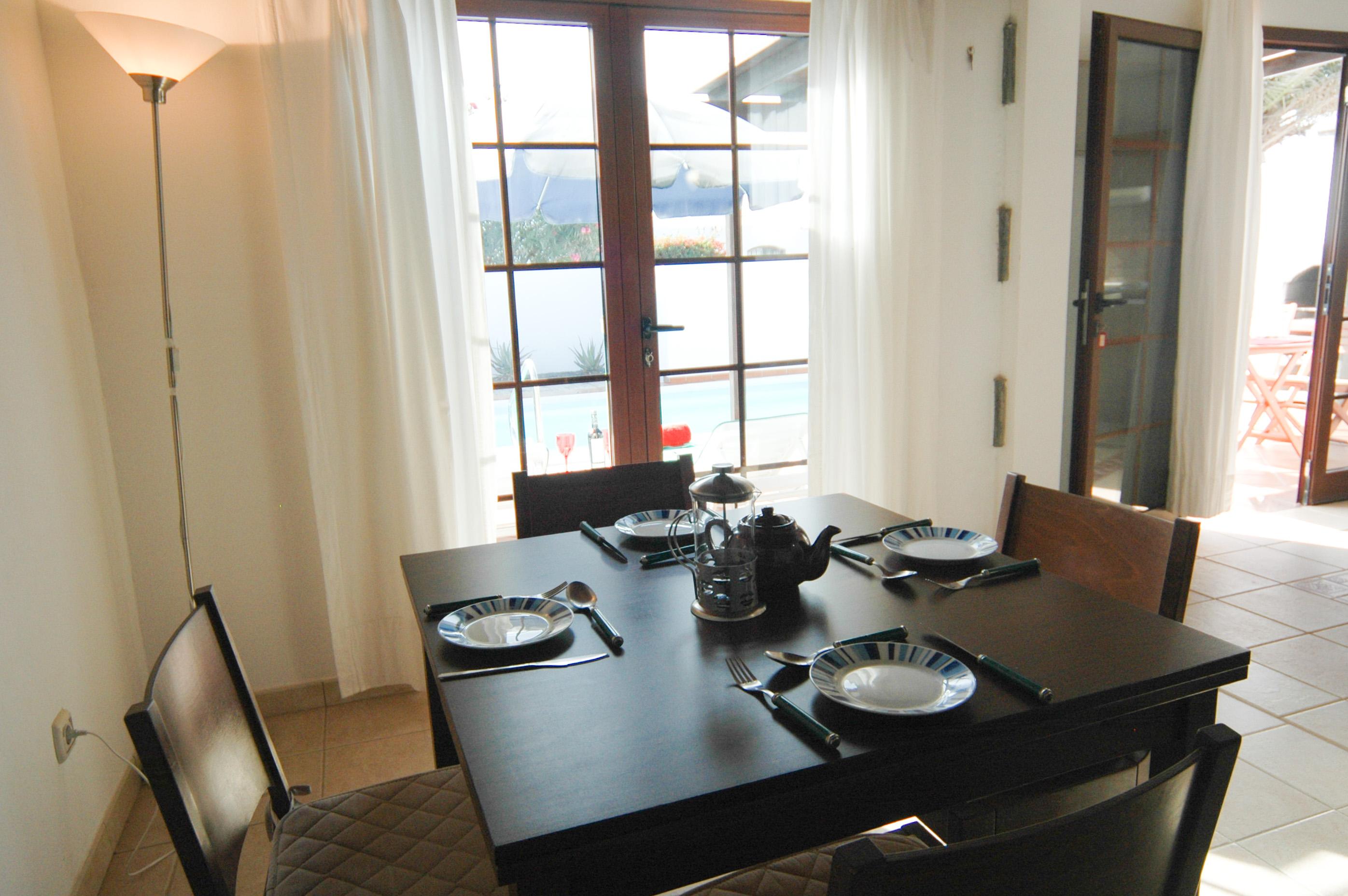 LVC334687 Dining area