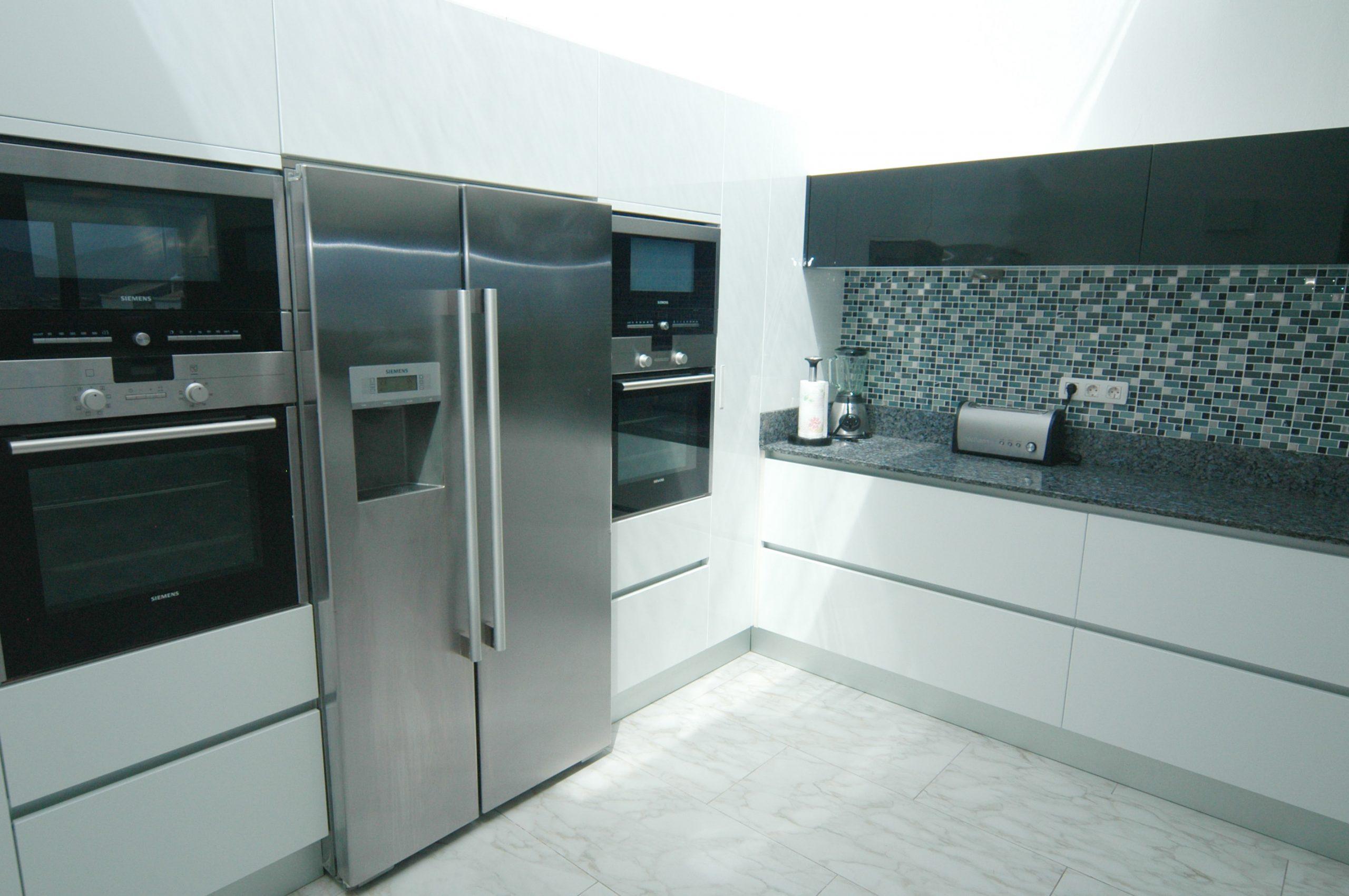 LVC216123 Kitchen