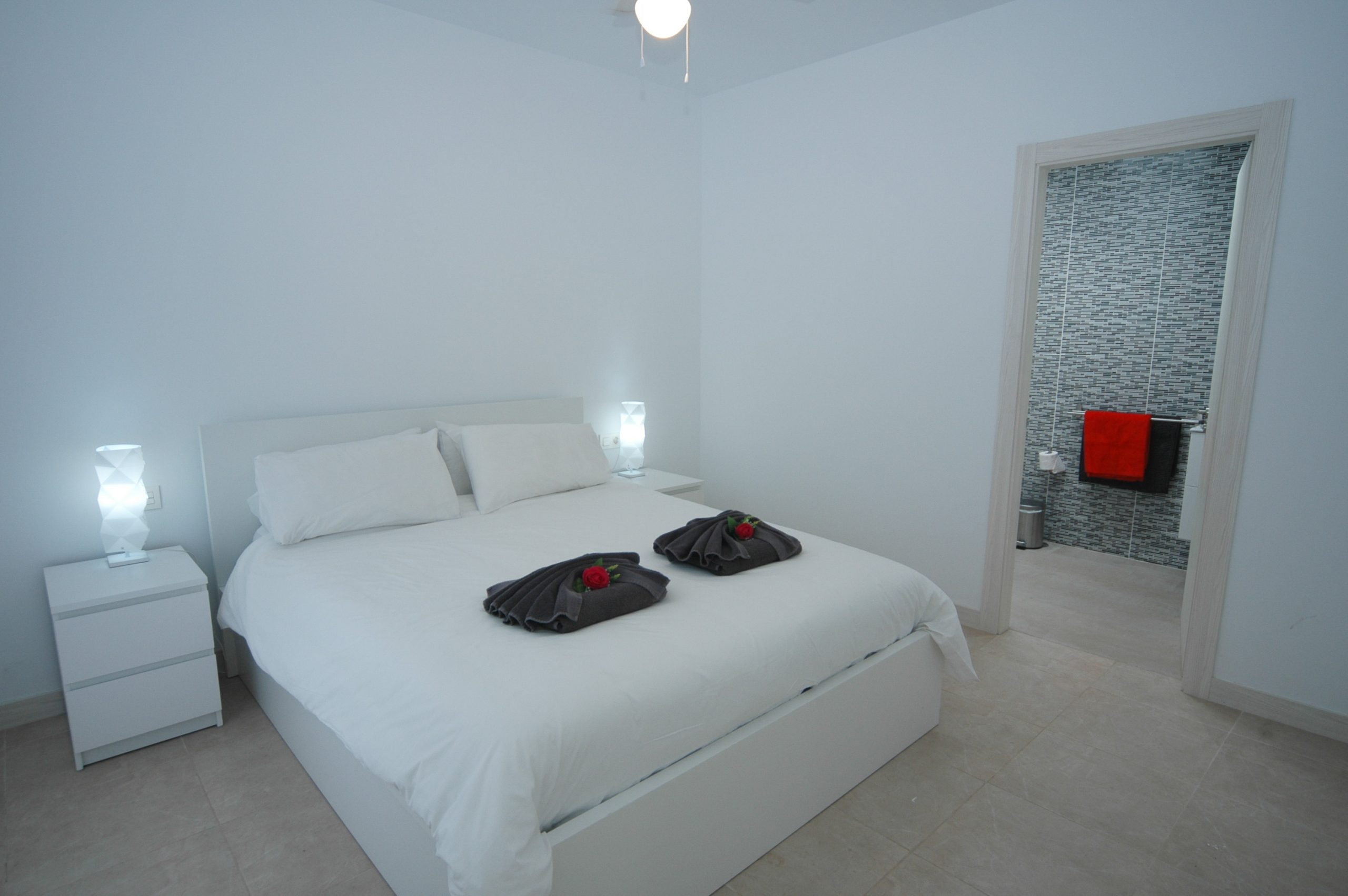 LVC338233 double bedroom with en suite