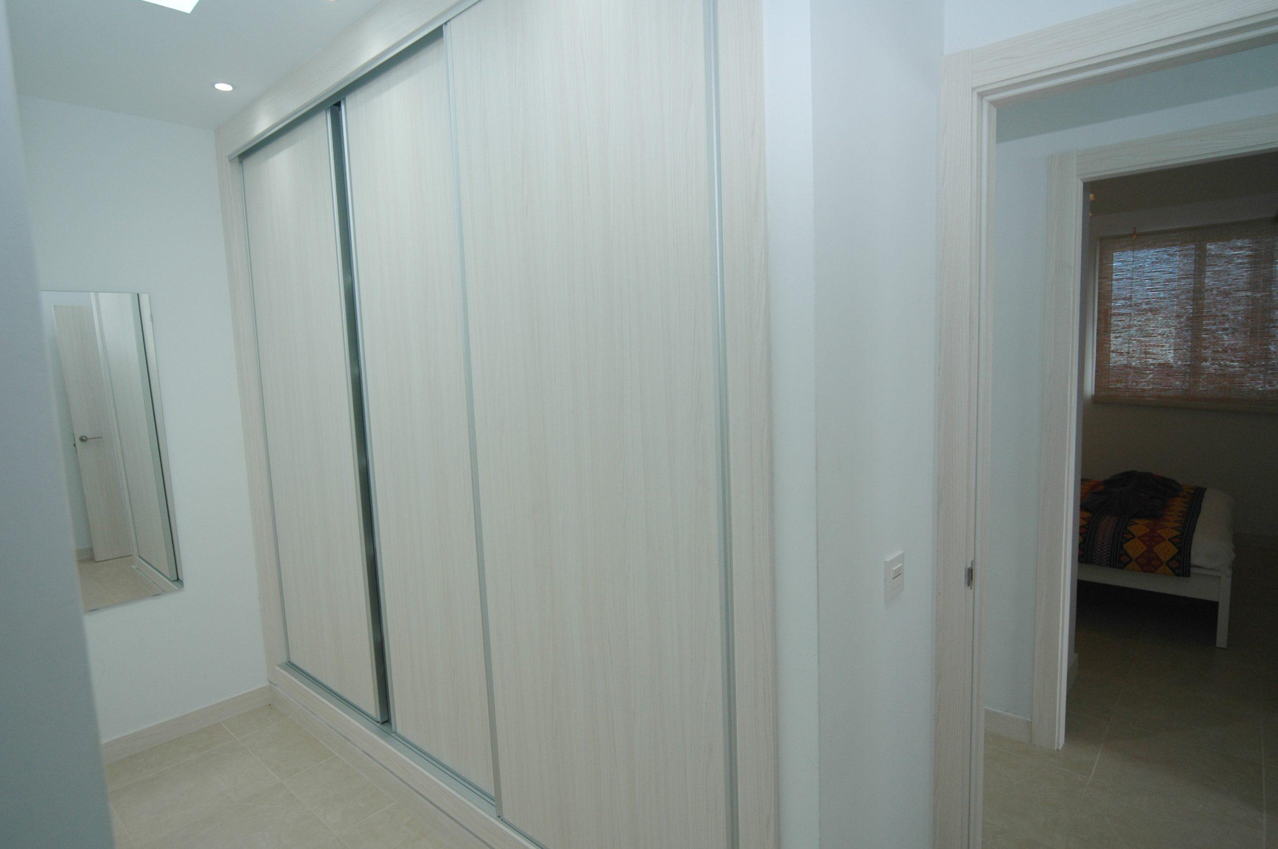 LVC338233 dressing area