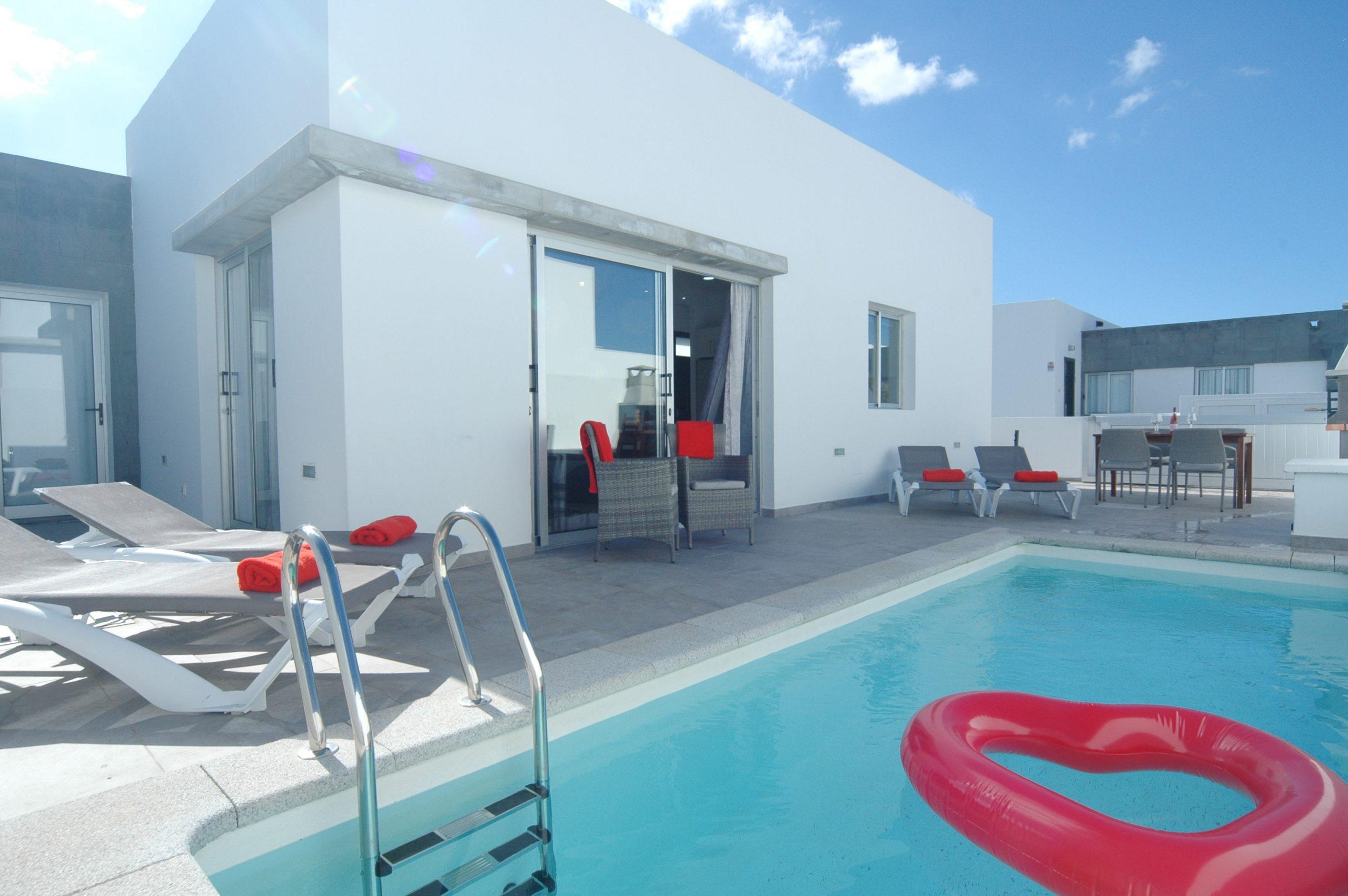 Villa LVC338233 Villa and pool area