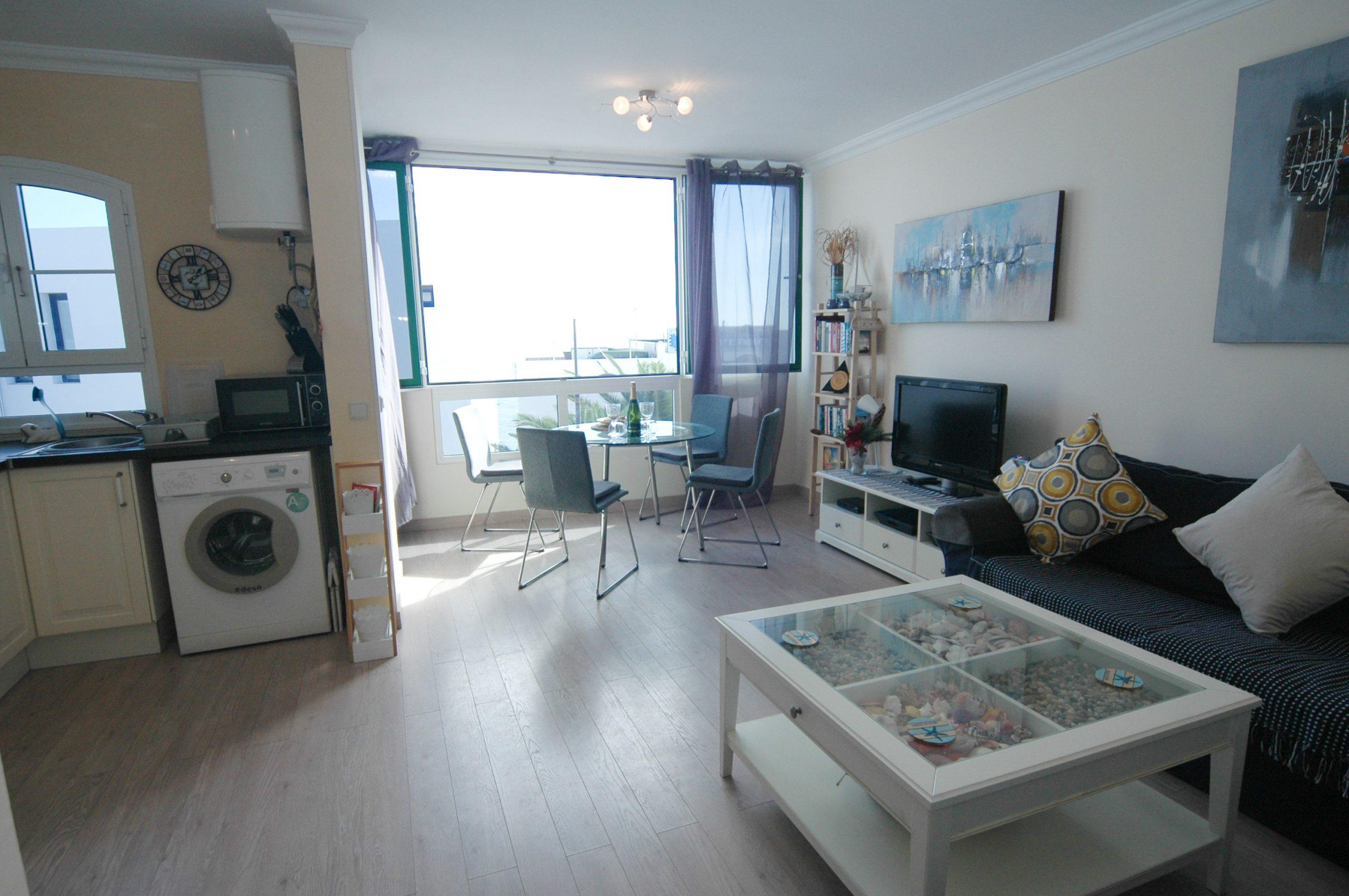 LVC338268 Living area