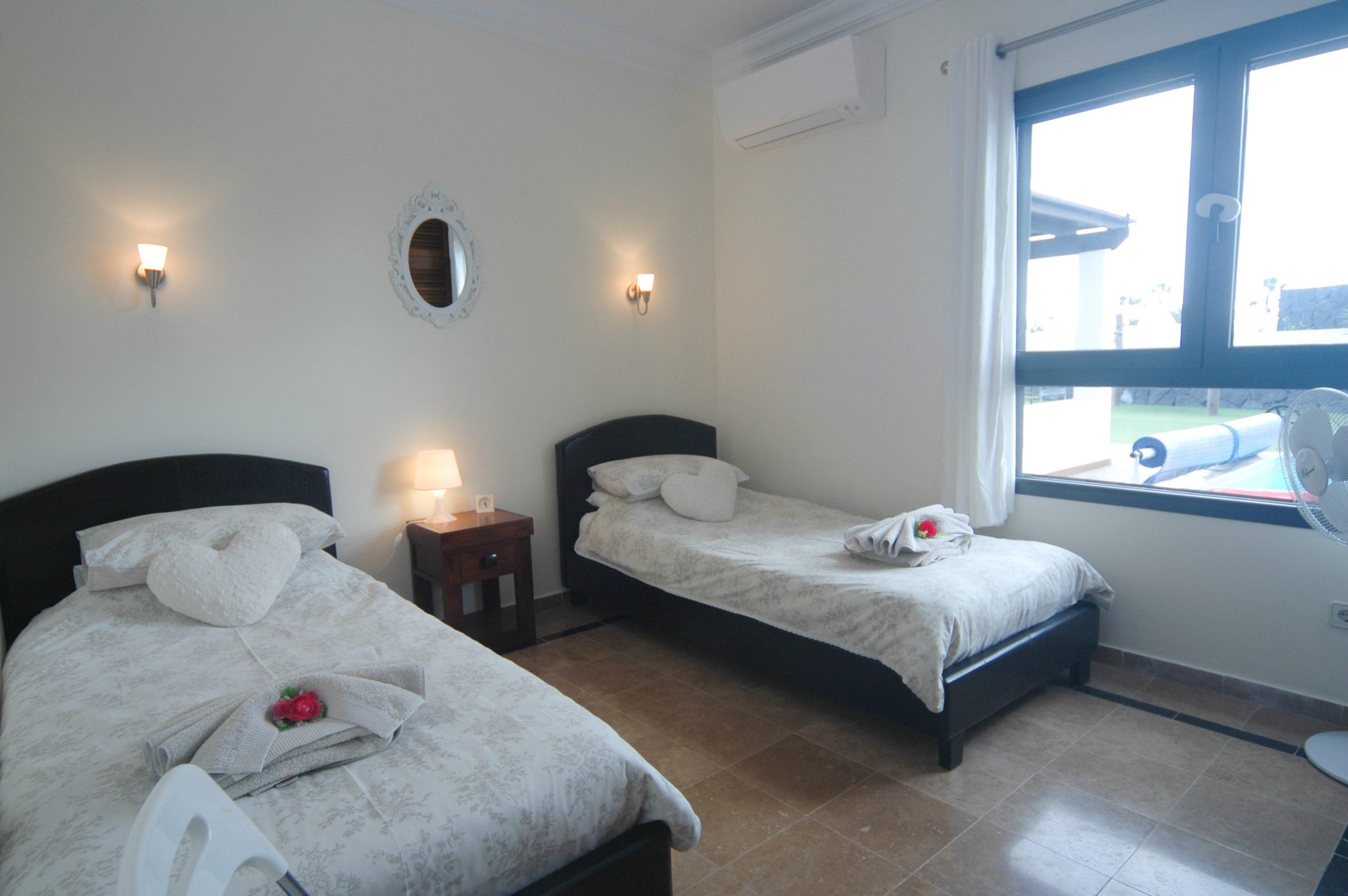 Villa_LVC338912 - Playa Blanca Villa twin bedroom with air conditioning