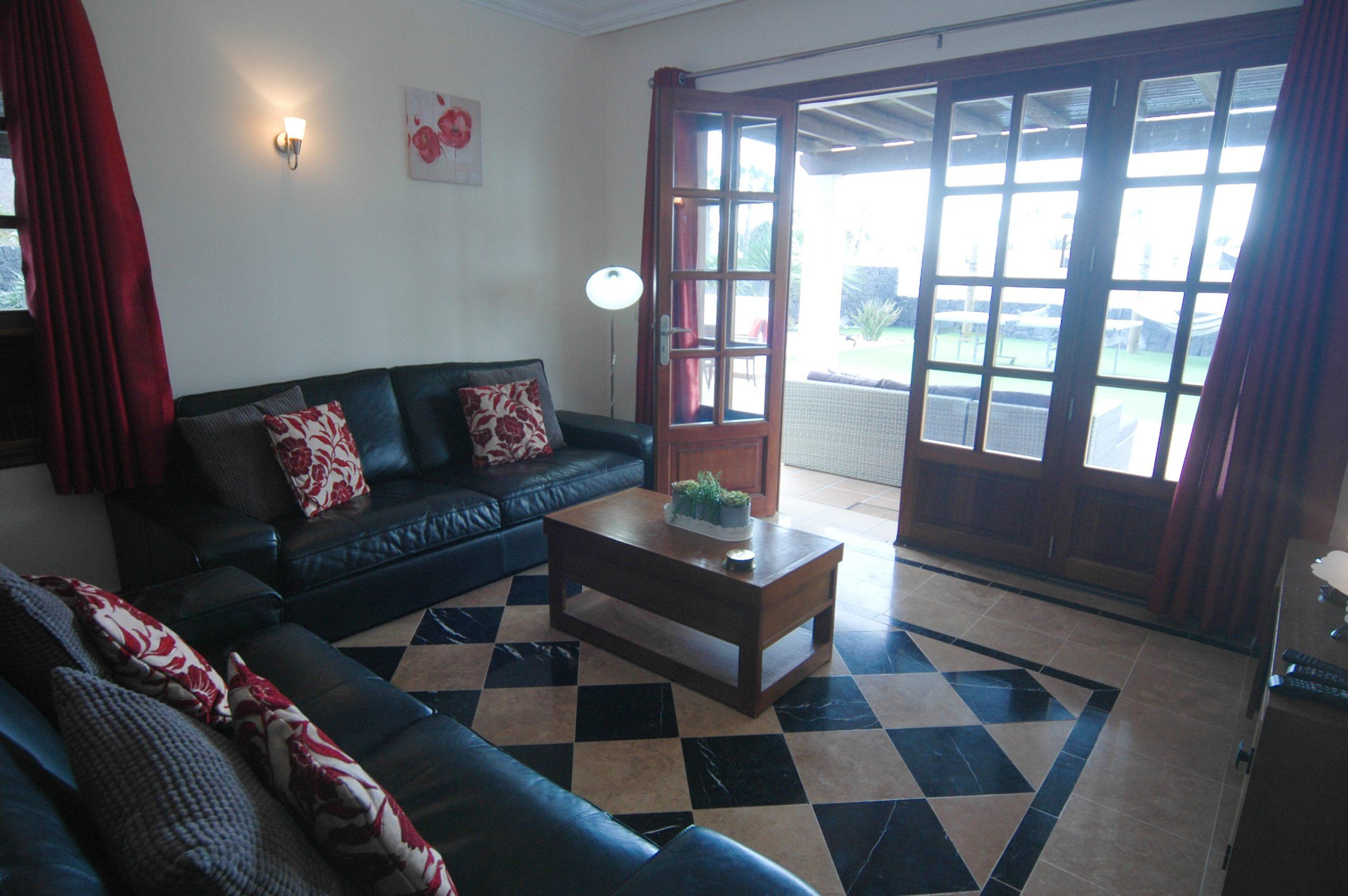 Villa_LVC338912 - Playa Blanca Villa lounge with IPTV, Xbox; DVD and wifi