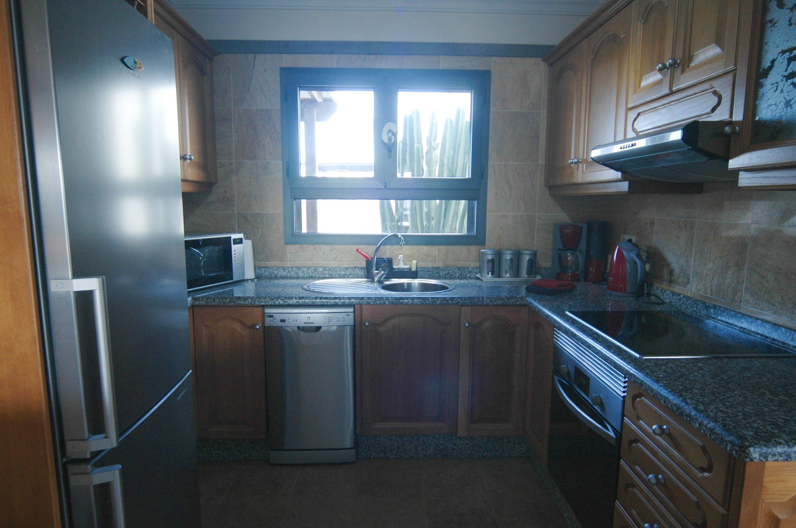 Villa_LVC338912 - Playa Blanca Villa kitchen with dishwasher