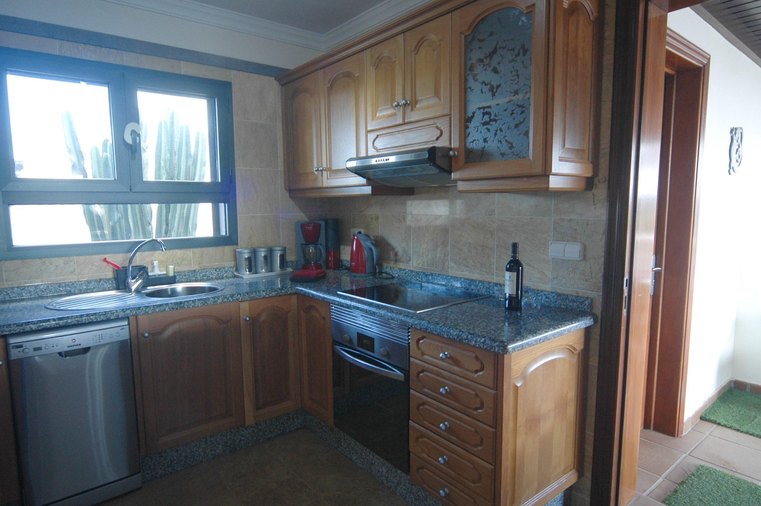 Villa_LVC338912 - Playa Blanca Villa kitchen with all mod cons