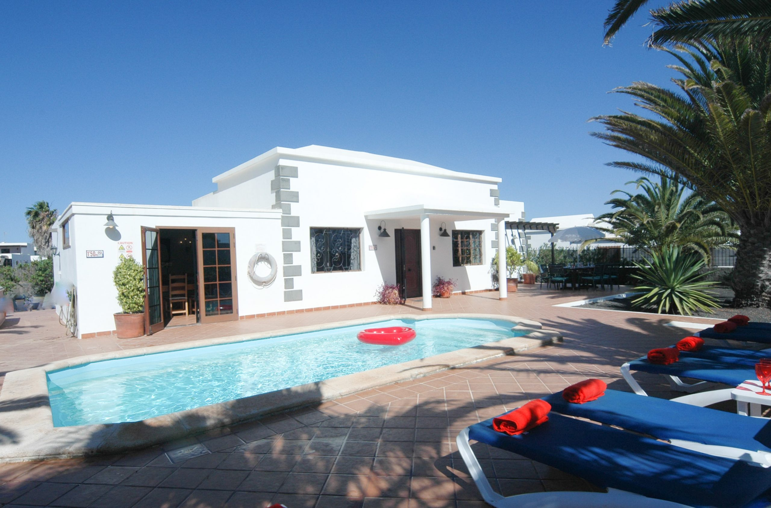 LVC200828 Villa with 4 bedrooms and heated pool