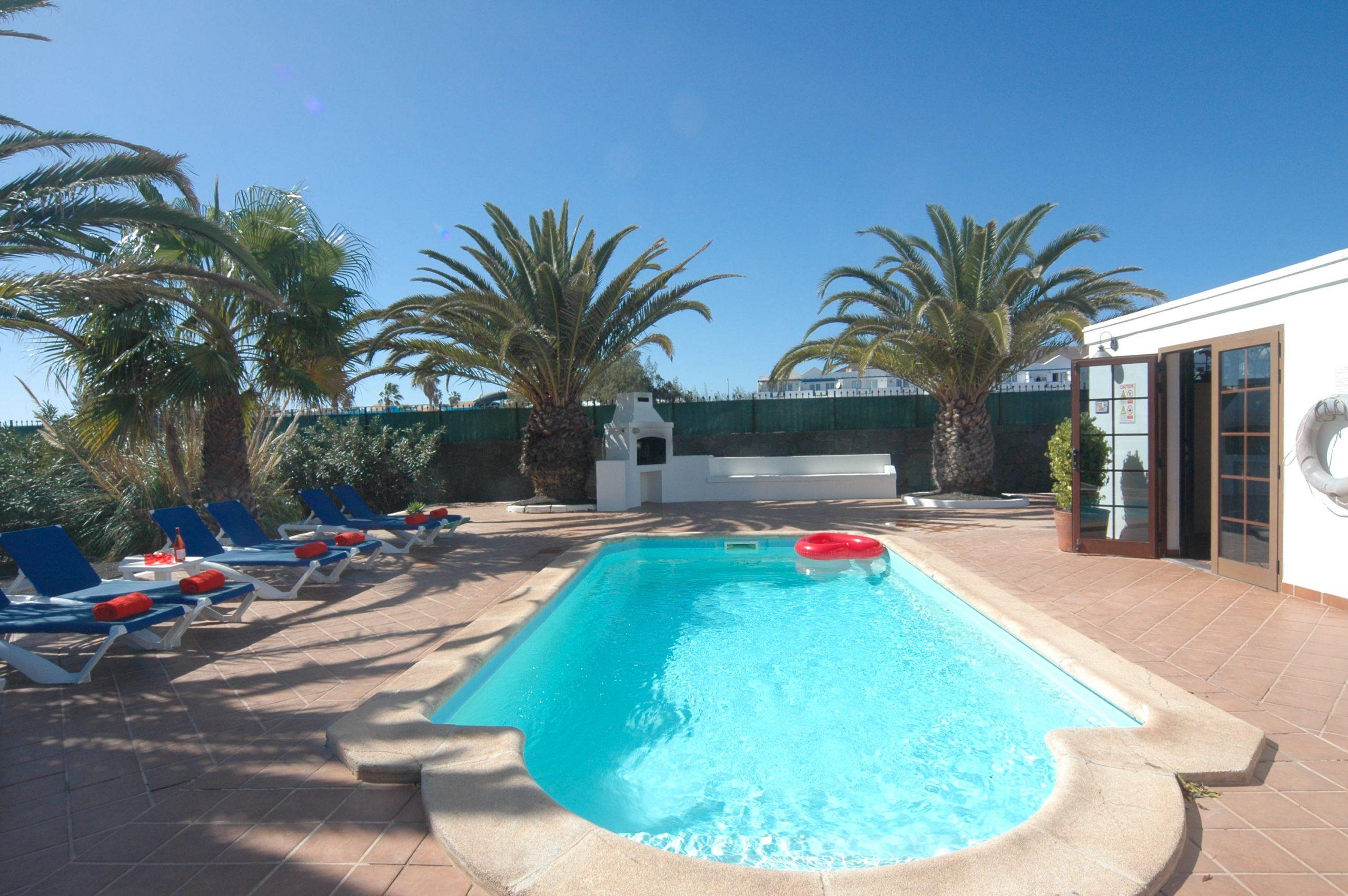 LVC200828 Villa with heated pool