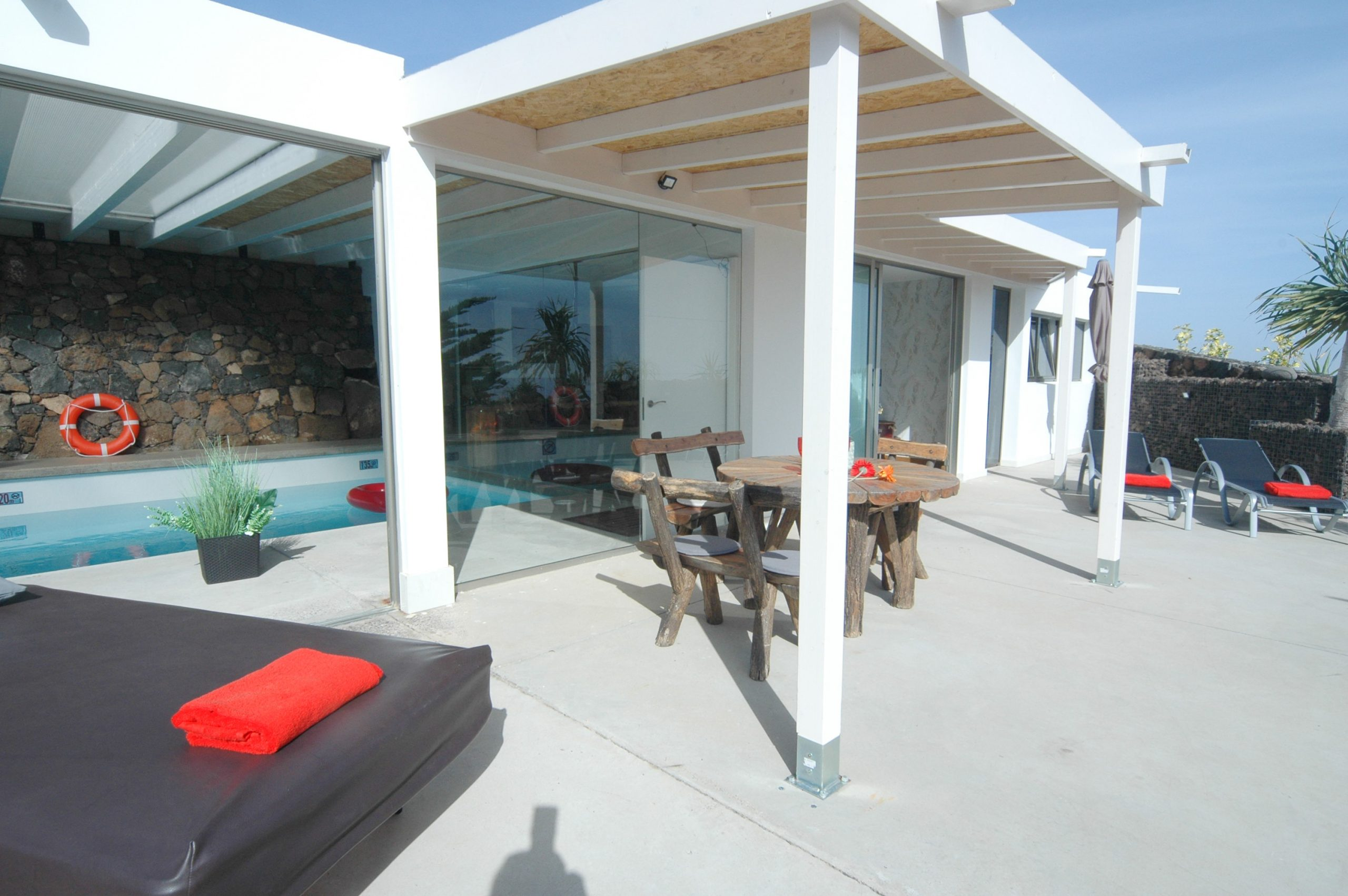 LVC339887great villa with indoor swimming pool