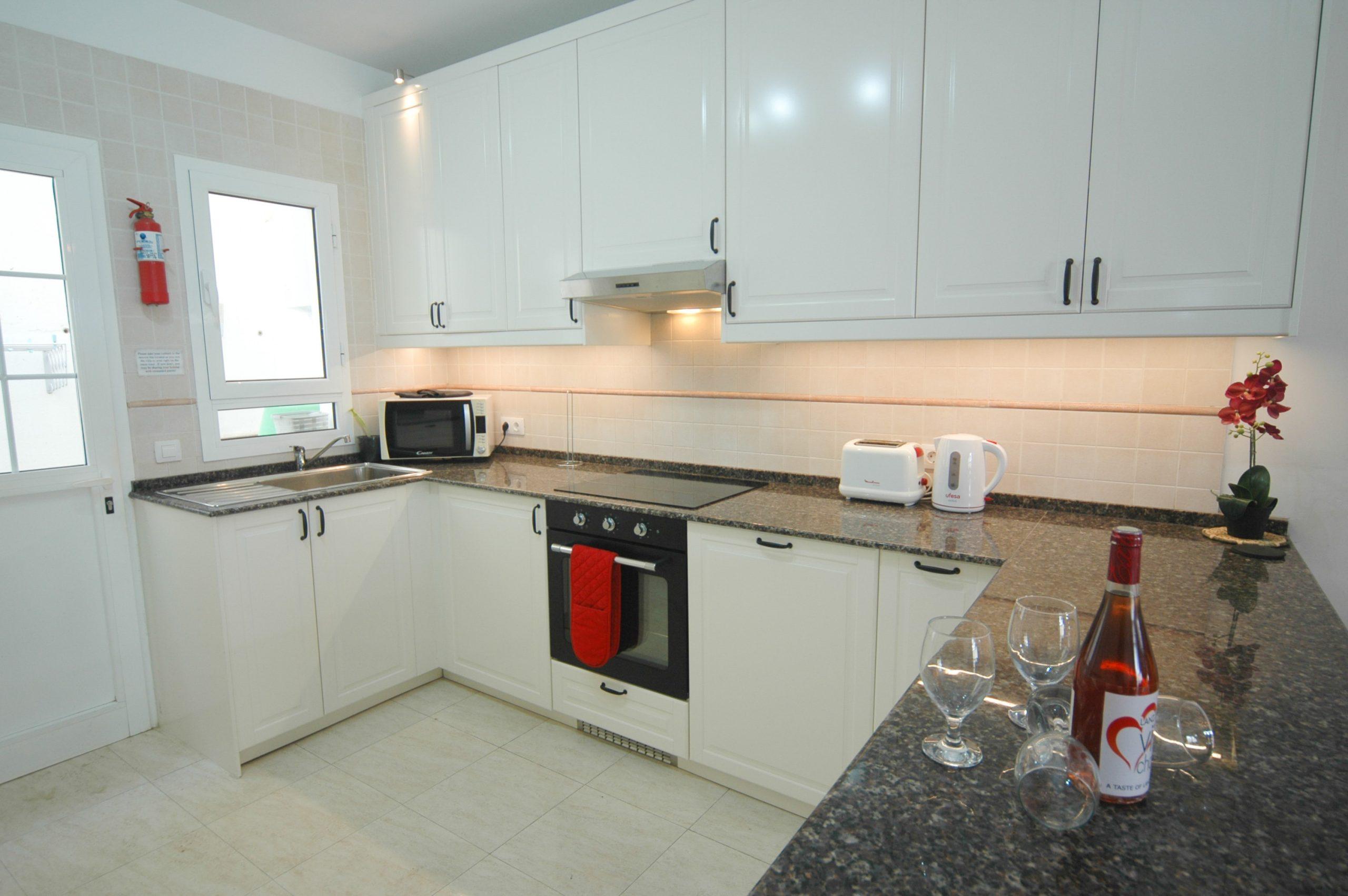 LVC211964 kitchen