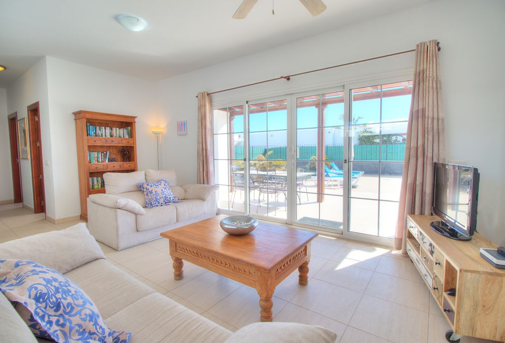 LVC227774 Living Room