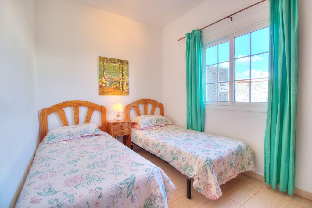 LVC227774 Twin Bedroom