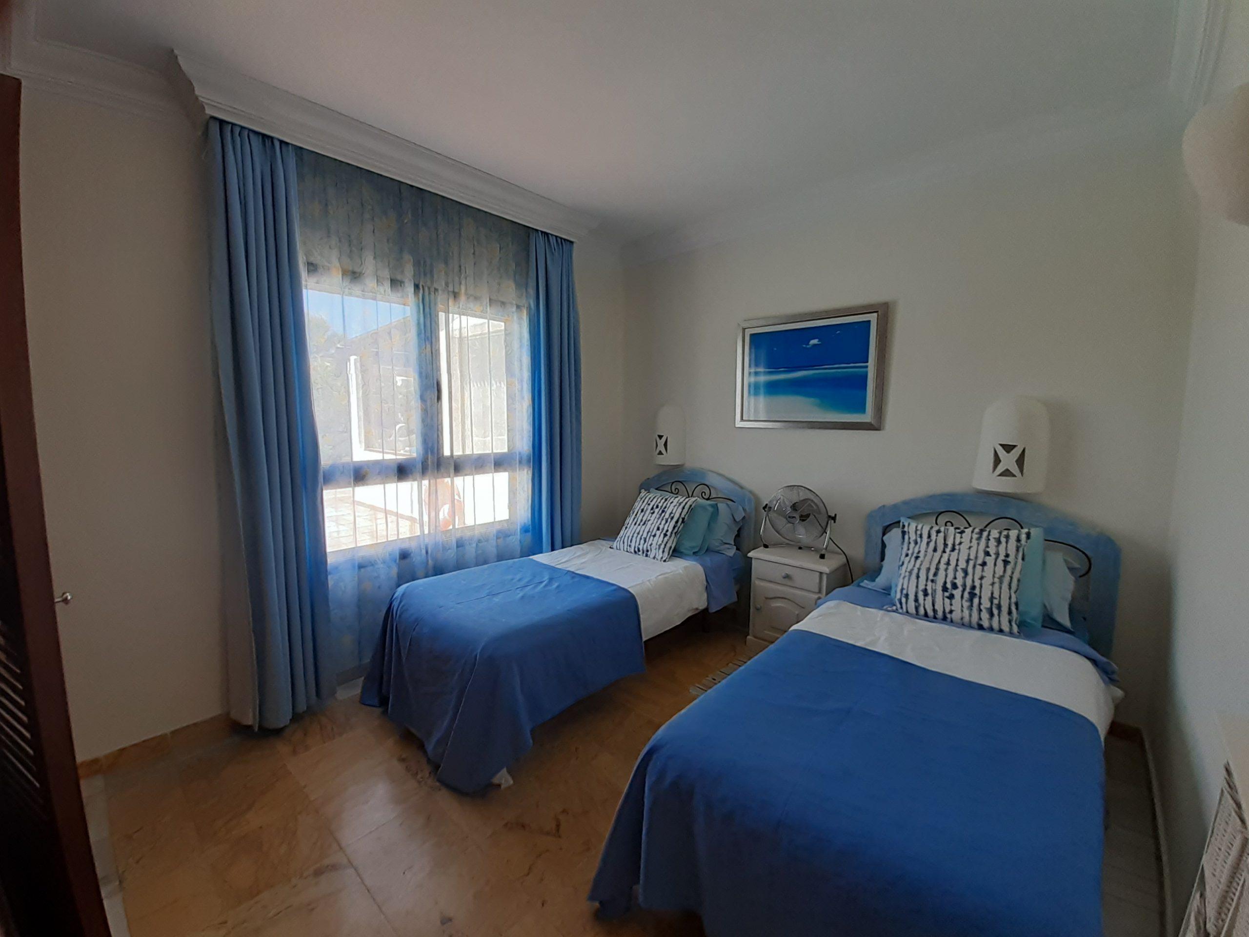 LVC197470 Twin Bedroom