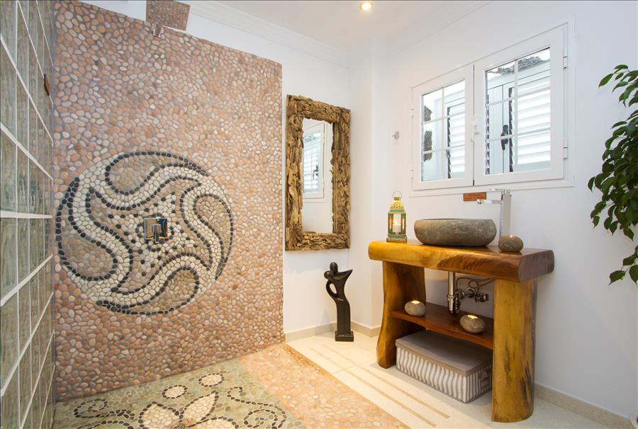 Apartment LVC229211  Modern bathroom
